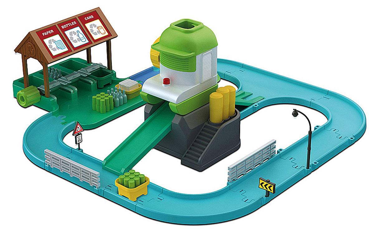 Robocar Poli Игровой набор Перерабатывающая станция с фигуркой83155Игровой набор Poli Перерабатывающая станция непременно понравится вашему ребенку. Он включает в себя станцию по переработке мусора с дорожками и устройством для утилизации отходов, а также машинку Клини - персонажа мультфильма Robocar Poli. Станция расположена в городке Брумстаун и принадлежит Клини. Машинка двигается по дороге, может захватывать ящики с отходами и доставлять их к специальному перерабатывающему устройству. Клини рассортировывает все отходы на бумагу, стекло и пластик, а затем помещает их в специальные контейнеры и отвозит к утилизирующему устройству. Для утилизации нужно поместить пустой ящик в устройство и нажать желтый рычаг. Ящик поднимется вверх, сверху перерабатывающего устройства нужно поместить в ящик бутылки, а затем нажать специальную кнопку. Порадуйте своего малыша таким замечательным подарком!