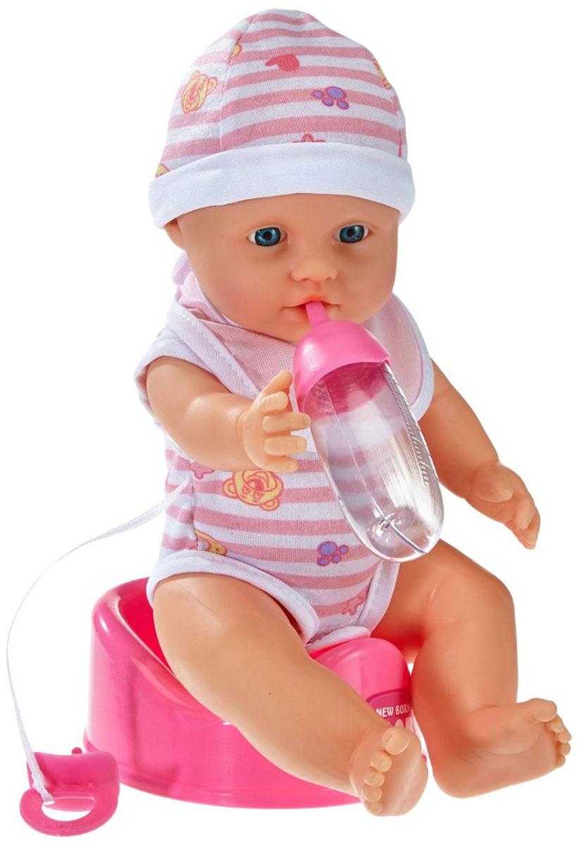 Simba Пупс Малыш5037800Вашей малышке несомненно понравится пупс Simba Малыш. В комплект входит все необходимое для того, чтобы сделать игру интересной и увлекательной. Малыш полностью выполнен из пластика, поэтому его можно купать и мыть. Пупсик одет в боди без рукавчиков, на липучке снизу, на голове у него шапочка в тон. Ручки, ножки и голова у куклы подвижны. Куколка пьет и писает, совсем как настоящий малыш! Просто напоите ее из входящей в набор бутылочки, и через некоторое время пупс пописает. Это отличный подарок для девочки, которая любит играть с куклами.