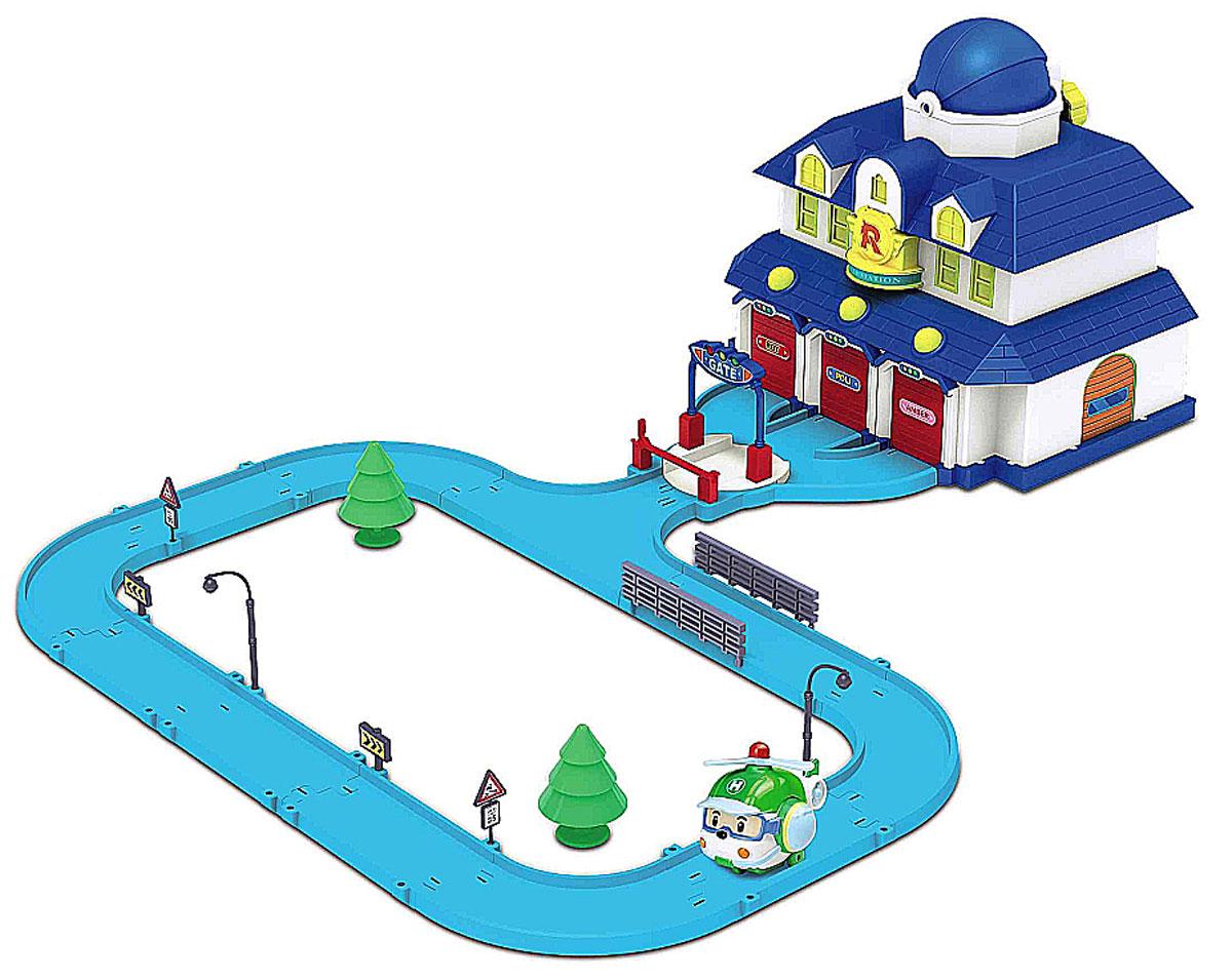 Robocar Poli Игровой набор Штаб-квартира - Poli - Poli83156Игровой набор Poli Штаб-квартира непременно понравится вашему малышу. В него входит штаб-квартира супер- команды спасателей городка Брумстаун, в котором живут полицейская машинка Поли, пожарная машинка Рой и машина скорой помощи Эмбер. В штаб-квартире имеются три гаража для машинок-спасателей, на дверях которых расположены именные таблички (Roy, Amber, Poli). Двери гаражей легко поднимаются, чтобы машинки могли мгновенно выехать туда, где требуется их помощь. К штабу прилегает автодорога с удобным подъездом к зданию, перед которым установлен поднимающийся шлагбаум, а за ним - вращающаяся платформа для удобства выезда любой из машинок. На крыше здания штаба находится домик для спасательного вертолета Хэли. Все элементы набора легко разместить внутри здания штаба. Также в наборе игрушка в виде спасательного вертолета Хэли, элементы декора (зеленые деревья, дорожные знаки, фонарные столбы и ограждения) и схематичная инструкция на русском языке....