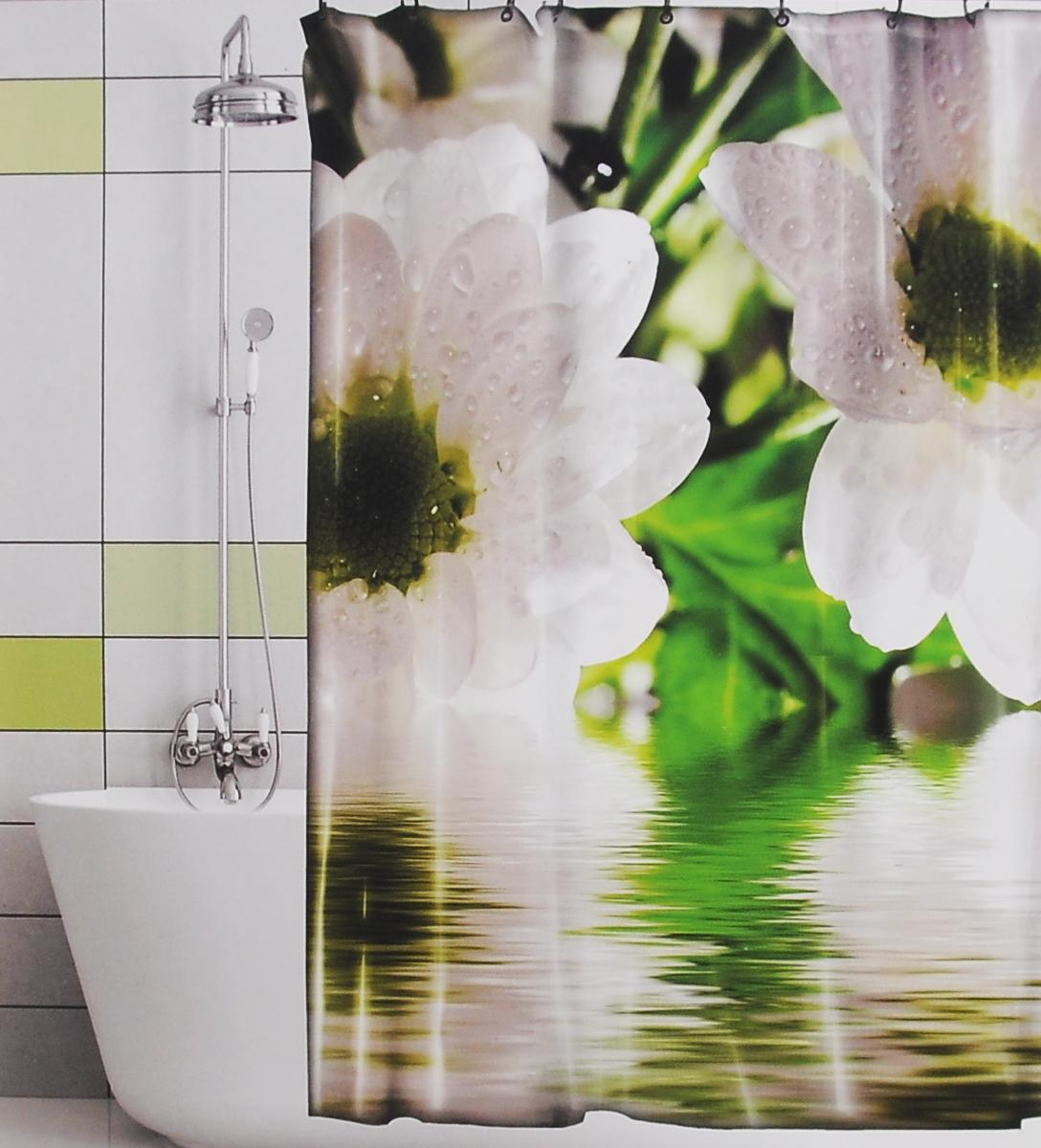 Штора для ванной Valiant Цветы на воде, цвет: белый, зеленый, 180 см х 180 смGFШтора для ванной комнаты Valiant Цветы на воде из 100% плотного полиэстера с водоотталкивающей поверхностью идеально защищает ванную комнату от брызг. В верхней кромке шторы предусмотрены отверстия для пластиковых колец (входят в комплект), а в нижней кромке шторы скрыт гибкий шнур, который поддерживает ее в естественной расправленной форме. Штору можно легко почистить мягкой губкой с мылом или постирать ее с мягким моющим средством в деликатном режиме. Количество колец: 12 шт.