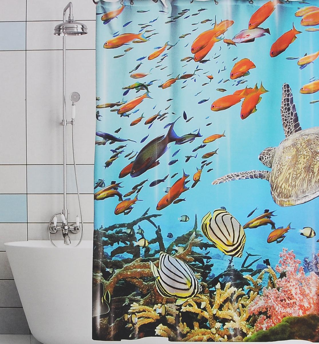 Штора для ванной Valiant Подводный мир, цвет: голубой, синий, 180 х 180 смBTШтора для ванной комнаты Valiant Подводный мир из 100% плотного полиэстера с водоотталкивающей поверхностью идеально защищает ванную комнату от брызг. В верхней кромке шторы предусмотрены отверстия для пластиковых колец (входят в комплект), а в нижней кромке шторы скрыт гибкий шнур, который поддерживает ее в естественной расправленной форме. Штору можно легко почистить мягкой губкой с мылом или постирать ее с мягким моющим средством в деликатном режиме. Количество колец: 12 шт.