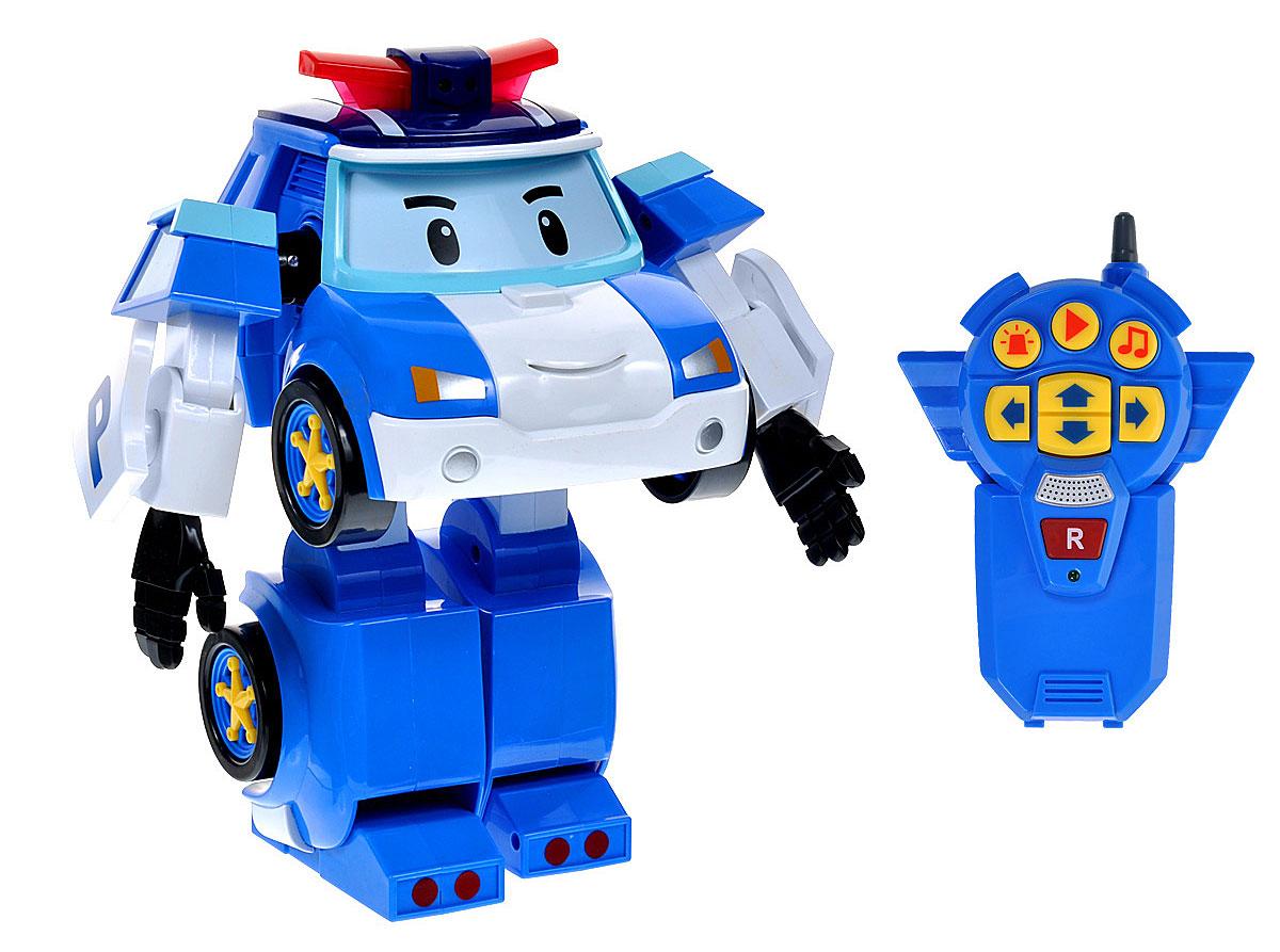 Robocar Poli Робот-трансформер на радиоуправлении Шагающий Поли83090Робот-трансформер на радиоуправлении Poli Поли непременно понравится вашему ребенку. Он выполнен в виде полицейской машинки-робота Поли - персонажа мультфильма Robocar Poli. У робота подвижные руки и ноги. Он может управляться с пульта. Поли-робот при помощи пульта управления может двигаться вперед, назад, поворачивать влево и вправо, включать мигалку и звук сирены. На пульте управления расположена кнопка записи. Нажмите и удерживайте ее для записи звука, фразы или мелодии. Затем нажмите кнопку Play, и Поли воспроизведет то, что вы записали. Робот Поли непременно наведет порядок в городке Брумстаун. Порадуйте своего малыша таким замечательным подарком! Необходимо докупить 4 батарейки напряжением 1,5V типа АА и 3 батарейки напряжением 1,5V типа ААА (не входят в комплект).