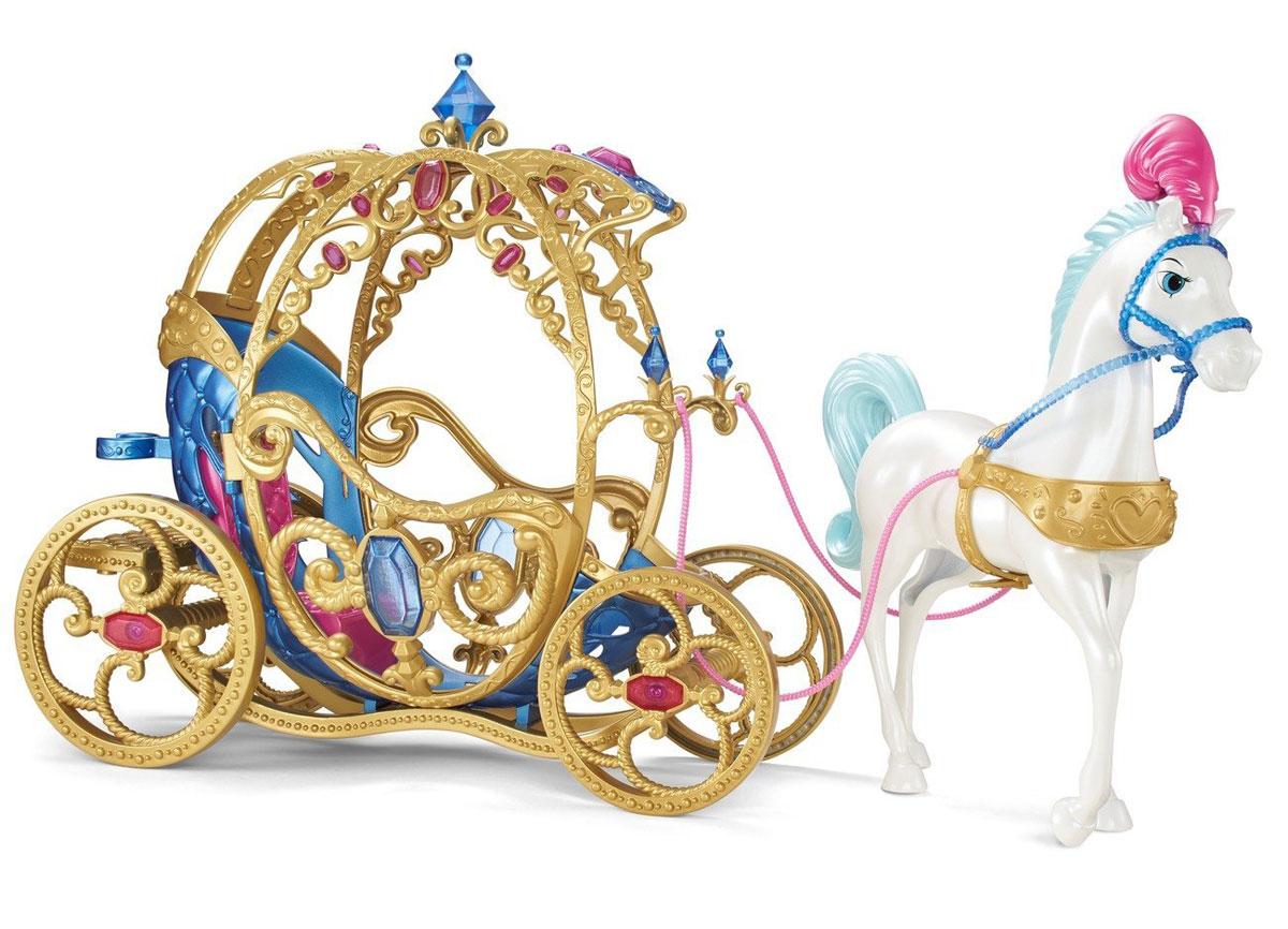 Disney Princess Лошадь с каретой для ЗолушкиCDC44Игровой набор Disney Princess Лошадь с каретой для Золушки наверняка понравится вашей малышке. Шикарный набор с лошадью и каретой для Золушки - это то, с чего начнется путешествие на бал ее любимой куклы. Фигурка лошади и карета выполнены из прочного безопасного пластика. Карета поражает своим изящным стилем - она инкрустирована камнями и резными узорами, от которых просто невозможно оторвать взгляд. Внутри расположено удобное кресло, куда помещается любая кукла ростом до 30 см. Еще одну куклу можно посадить сзади на облучок, а чтобы кукла не упала, прикрепить ее специально предназначенным зажимом. Большие золоченые колеса кареты крутятся при движении, дверцы открываются. В королевский кортеж впряжен белоснежный конь с голубой гривой и хвостом. Он украшен праздничной сбруей и плюмажем с розовыми перьями. Ножки лошади неподвижны. Конь пристегивается к карете с помощью длинных поводьев, выполненных из мягкого пластика. Ваша малышка будет в восторге от...