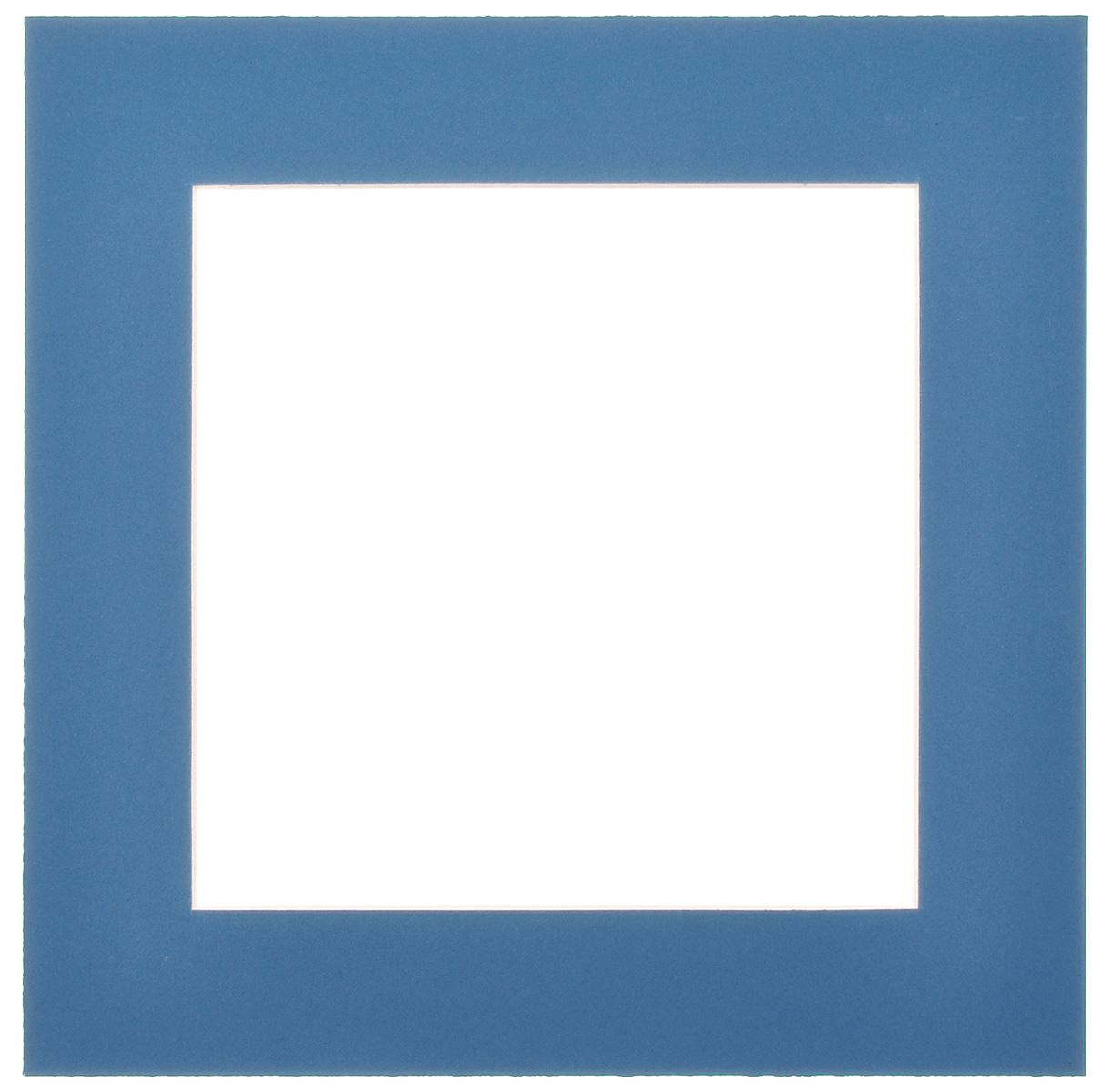 Паспарту Василиса, цвет: темно-синий, 17 х 17 см580639Паспарту Василиса, изготовленное из плотного картона, предназначено для оформления художественных работ и фотографий. Оно располагается между багетной рамой и изображением, делая акцент на фотографии, усиливая ее визуальное восприятие. Кроме того, на паспарту часто располагают поясняющие подписи, автограф изображенного. Внешний размер: 25 см х 25 см. Внутренний размер: 17 см х 17 см.