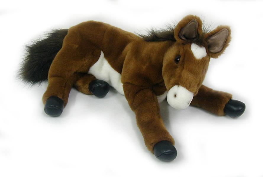Мягкая игрушка Hansa Пони с мягкой набивкой, 35 см3896Очаровательная мягкая игрушка Пони с мягкой набивкой вызовет умиление и улыбку у каждого, кто ее увидит. Игрушка очень похожа на своего живого прототипа. Лошадь выполнена в положении лежа. Игрушка станет замечательным подарком, как ребенку, так и взрослому. Игрушки фирмы Hansa шьются и набиваются вручную, что позволяет достигнуть максимальной реалистичности образа. Данная игрушка выполнена из искусственного меха, специально обработанного для придания схожести с мехом конкретного вида животного. Глаза выполнены из пластика, а хвостик и загривок украшены удлиненным ворсом. Копыта обработаны искусственной кожей. Все эти детали делают игрушку более естественной. Великолепное качество исполнения делают эту игрушку чудесным подарком к любому празднику. Интересная и симпатичная, она непременно вызовет улыбку у детей и взрослых.
