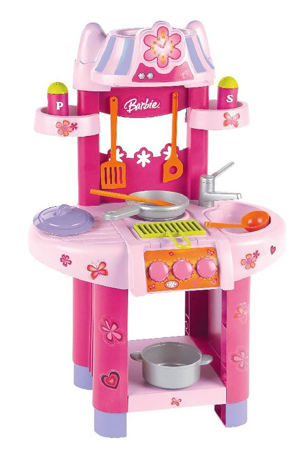 Klein Игровой набор Barbie Кухонный центр9588Кухонный центр BARBIE c конфоркой, решеткой для гриля, мойкой, набором посуды. Высота в собранном виде 75 см. От 3-х лет.