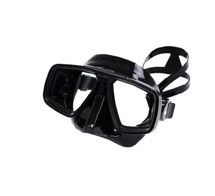 Маска для подводного плавания Technisub Look (Black), черный силиконTN100860Маска Technisub Look - лидер по объему продаж во всем мире на протяжении десяти лет благодаря использованию в ней материалов высочайшего качества. Идеально подходит к различным типам лица. Обтюратор и ремешок маски сделаны из качественного силикона, обеспечивающего мягкость и плотность прилегания в сочетании с комфортом. Силикон LSR не вызывает аллергию, а также сочетает отличную степень прозрачности с устойчивостью к воздействию ультрафиолетовых лучей в отличии резины. Корпус маски сделан из высокопрочного поликарбоната. Особенности модели: двухлинзовая маска; приближенные к лицу линзы обеспечивают максимальный угол обзора; быстрая и легкая регулировка натяжения ремешка; поворотные пряжки ремешка для большего комфорта; возможна установка положительных или отрицательных диоптрических линз. Линзы маски традиционно выполнены из каленого стекла, что обеспечивает безопасность. Простые линзы можно...