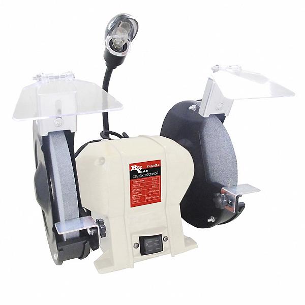 Станок заточной RD-3220BL RedVergRD-3220BLКомпактный и легкий заточный станок RedVerg с подсветкой. Предназначен для шлифовальных и заточных работ по металлу в частных гаражах, небольших мастерских и предприятий. Надежный ассинхронный двигатель обеспечит долгий срок службы заточного станка, а система защитных приспособлений в виде защитного стекла и металлического упора, сделает работу оператора безопасной от травм. Размеры шлифовального круга: 200*20*32