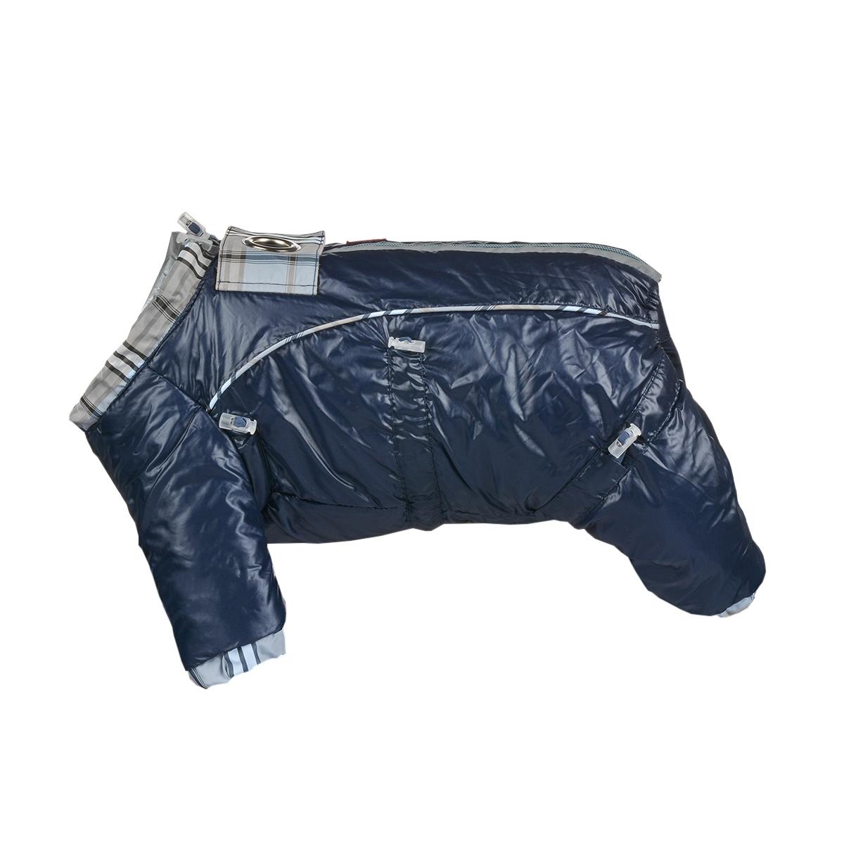 Комбинезон для собак Dogmoda Doggs, зимний, для мальчика, цвет: темно-синий. Размер XLDM-140538Комбинезон для собак Dogmoda Doggs отлично подойдет для прогулок в зимнее время года. Комбинезон изготовлен из полиэстера, защищающего от ветра и снега, с утеплителем из синтепона, который сохранит тепло даже в сильные морозы, а на подкладке используется искусственный мех, который обеспечивает отличный воздухообмен. Комбинезон застегивается на молнию и липучку, благодаря чему его легко надевать и снимать. Молния снабжена светоотражающими элементами. Низ рукавов и брючин оснащен внутренними резинками, которые мягко обхватывают лапки, не позволяя просачиваться холодному воздуху. На вороте, пояснице и лапках комбинезон затягивается на шнурок-кулиску с затяжкой. Модель снабжена непромокаемым карманом для размещения записки с информацией о вашем питомце, на случай если он потеряется. Благодаря такому комбинезону простуда не грозит вашему питомцу и он не даст любимцу продрогнуть на прогулке.