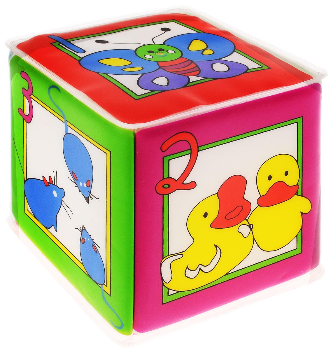 Курносики Игрушка-кубик с пищалкой Учимся считать27077Яркая игрушка-кубик Курносики Учимся считать заинтересует вашего малыша и не позволит ему скучать. Игрушка выполнена из мягкого безопасного для ребенка материала. На сторонах кубика изображены различные животные с цифрами, при этом цифра соответствует количеству изображенных животных. Внутри кубика спрятана пищалка. Малышу понравиться сжимать кубик, который будет издавать при этом негромкий звук. Игрушка-кубик поможет ребенку развить цветовое и звуковое восприятия, мелкую моторику рук и тактильные ощущения.