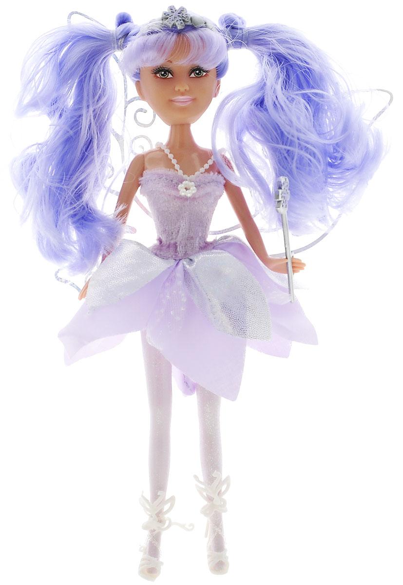ABtoys Кукла Зимняя фея Лили240249_сиреневыйВеликолепный игровой набор с куклой-феей обязательно порадует вашу малышку и доставит ей много удовольствия от часов, посвященных игре с ней. Куколка с длинными сиреневыми волосами и зелеными глазами одета в великолепный наряд: яркое платье с подолом из нескольких юбок с яркими блестками. На ножках у феи высокие белые босоножки. Наряд дополняют ажурные блестящие крылышки. Вместе с куклой в наборе предлагается оригинальная диадема со снежинкой и сердечками. У феи также имеется волшебная палочка, которую она может взять в руку и аксессуары для магии: волшебный цветок и флакон с чудесным порошком. Куколка-фея станет настоящей подружкой для своей юной обладательницы! Порадуйте свою малышку таким великолепным подарком!