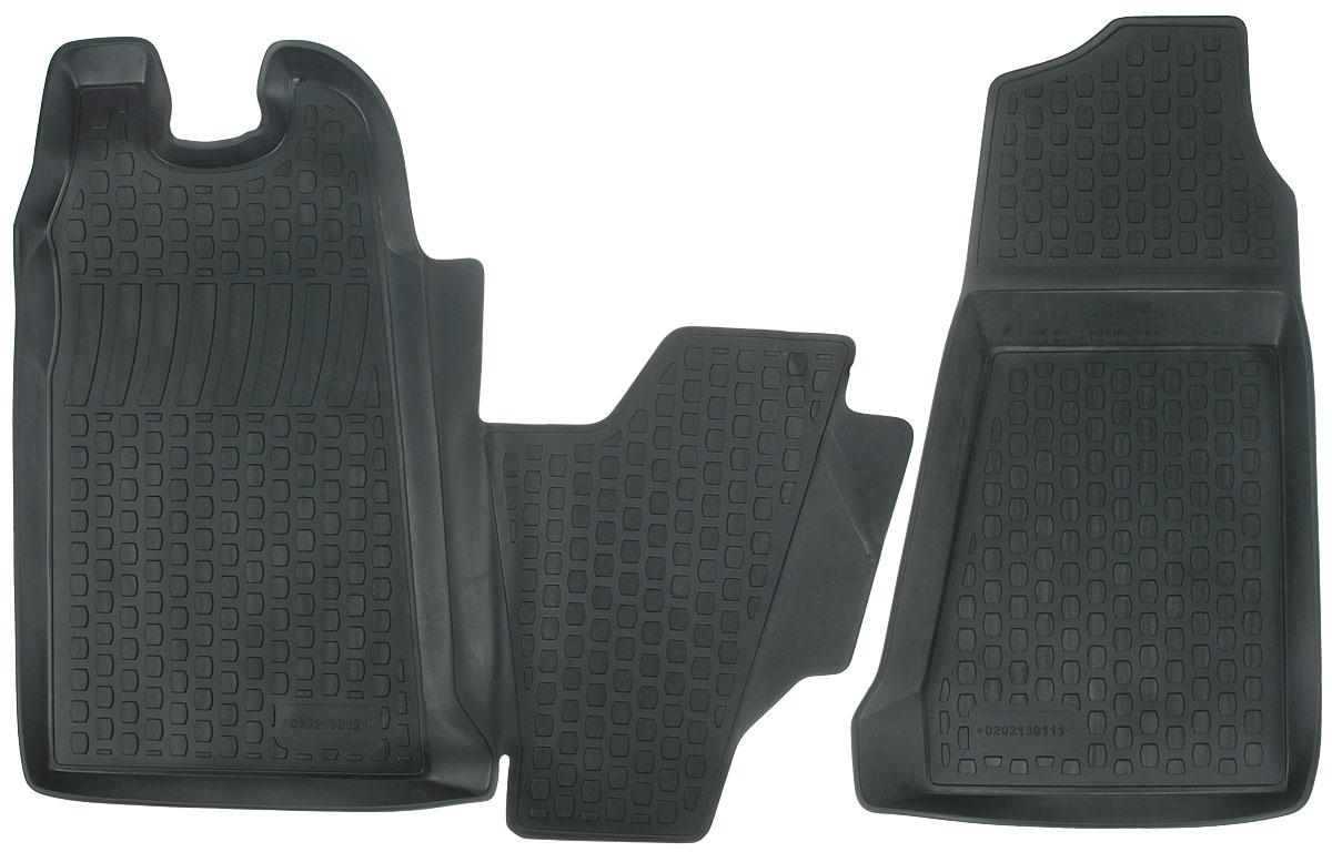 Набор автомобильных ковриков L.Locker Ford Transit Front 2006, передние, в салон, 2 шт0202130101Набор L.Locker Ford Transit Front 2006, изготовленный из полиуретана, состоит из 2 ковриков, которые производятся индивидуально для каждой модели автомобиля. Изделие точно повторяет геометрию пола автомобиля, имеет высокий борт, обладает повышенной износоустойчивостью, лишено резкого запаха и сохраняет свои потребительские свойства в широком диапазоне температур от -50°С до +50°С. Комплектация: 2 шт. Размер ковриков: 81 см х 91 см; 85 см х 47 см.