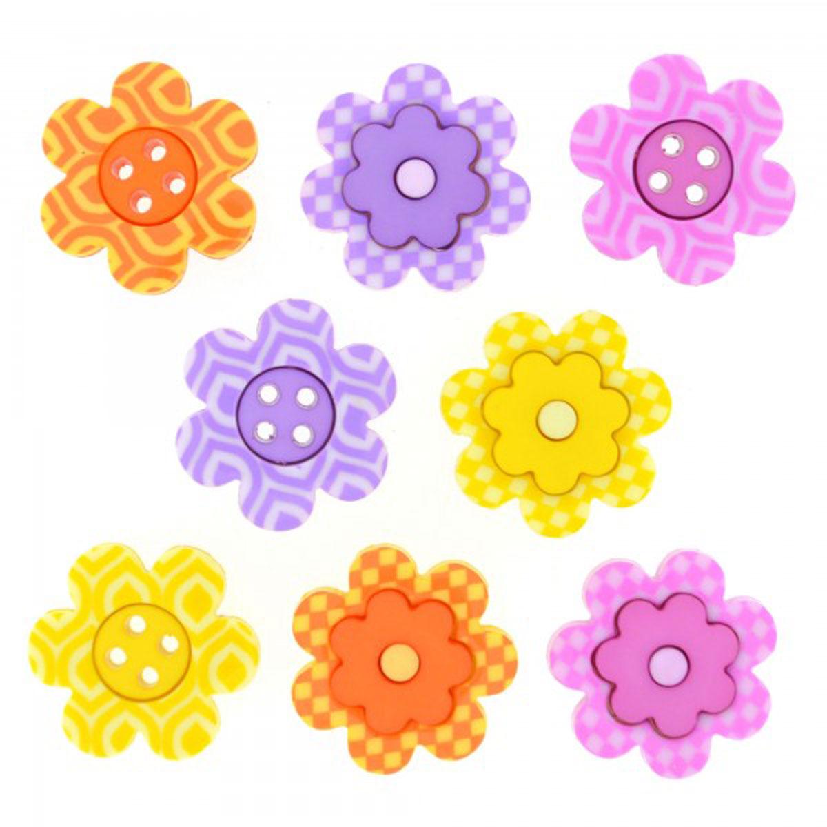 Пуговицы декоративные Dress It Up Яркие цветы, 8 шт. 77134747713474Пуговицы декоративные Dress It Up Яркие цветы состоит из 8 декоративных пуговиц, выполненных из цветного пластика в виде цветов. Такие пуговицы подходят для любых видов творчества: скрапбукинга, декорирования, шитья, изготовления кукол, а также для оформления одежды. С их помощью вы сможете украсить открытку, фотографию, альбом, подарок и другие предметы ручной работы. Пуговицы разных цветов имеют оригинальный и яркий дизайн. Средний размер пуговиц: 2 см х 2 см х 0,3 см.
