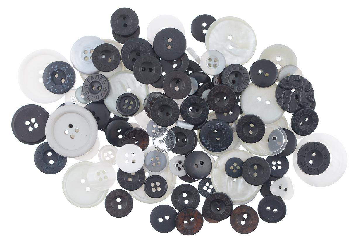 Пуговицы декоративные Buttons Galore & More Color Blends, цвет: черный, белый, серый, 85 г. 77088797708879_Черно-белыйНабор пуговиц для творчества и декорирования одежды Buttons Galore & More Color Blends изготовлен из высококачественного пластика. В набор входят пуговицы различных размеров и с разным количеством отверстий. Такие пуговицы подходят для любых видов творчества: скрапбукинга, декорирования, шитья, изготовления кукол, а также для оформления одежды. С их помощью вы сможете украсить открытку, фотографию, альбом, подарок и другие предметы ручной работы. Пуговицы имеют оригинальный и яркий дизайн. Средний диаметр пуговиц: 2 см.