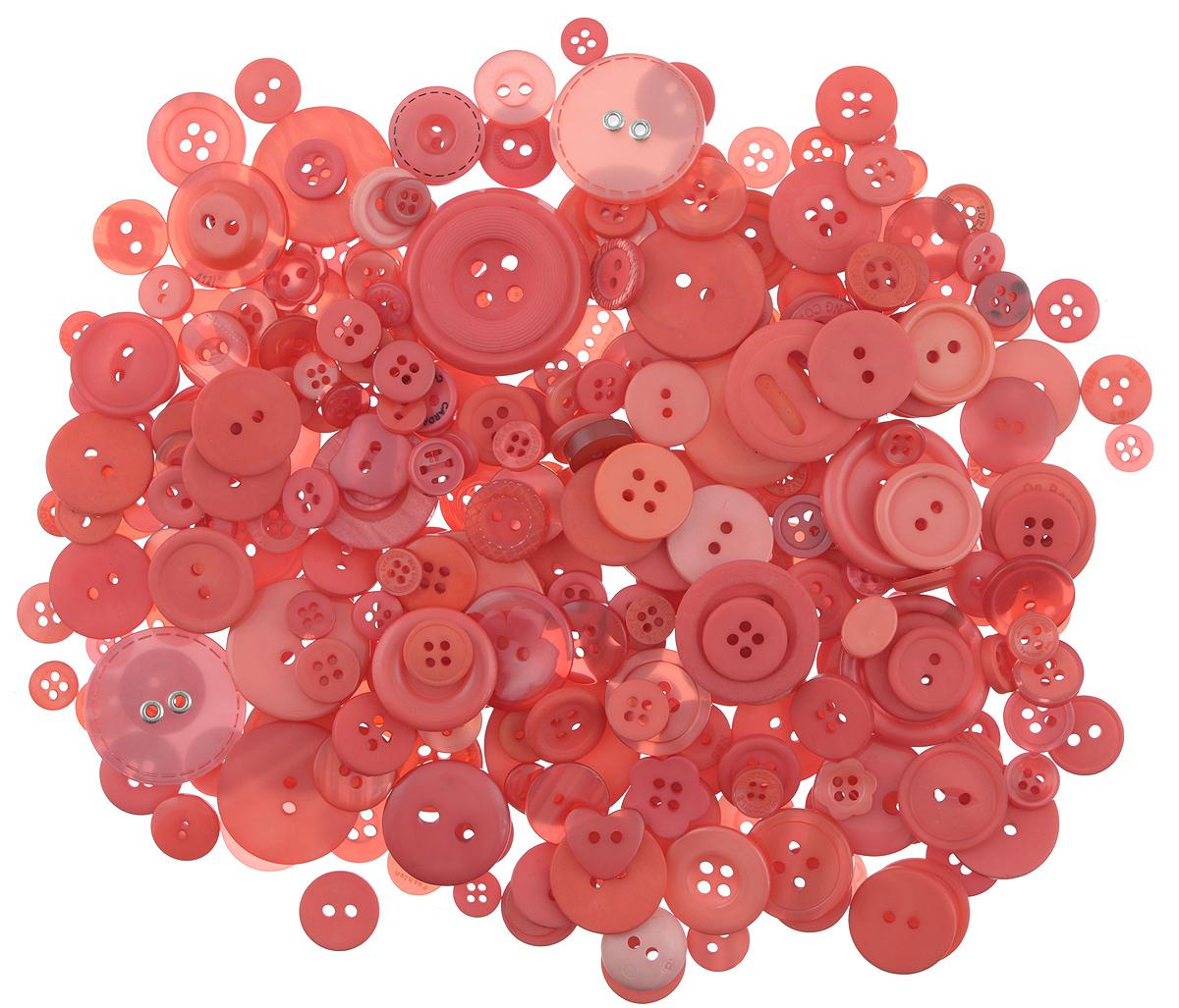 Пуговицы декоративные Buttons Galore & More Laura Kelly, цвет: арбуз, 155 г. 77088817708881_АрбузНабор пуговиц для творчества и декорирования одежды Buttons Galore & More Laura Kelly изготовлен из высококачественного пластика. В набор входят пуговицы различных размеров и с разным количеством отверстий. Такие пуговицы подходят для любых видов творчества: скрапбукинга, декорирования, шитья, изготовления кукол, а также для оформления одежды. С их помощью вы сможете украсить открытку, фотографию, альбом, подарок и другие предметы ручной работы. Пуговицы имеют оригинальный и яркий дизайн. Средний диаметр пуговиц: 1,7 см.