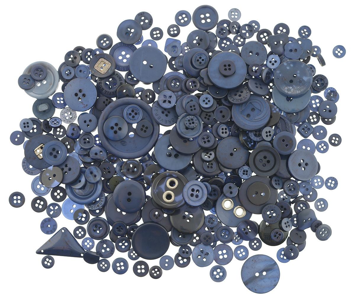 Пуговицы декоративные Buttons Galore & More Laura Kelly, цвет: темно-синий, 155 г. 77088817708881_Темно-синийНабор пуговиц для творчества и декорирования одежды Buttons Galore & More Laura Kelly изготовлен из высококачественного пластика. В набор входят пуговицы различных размеров и с разным количеством отверстий. Такие пуговицы подходят для любых видов творчества: скрапбукинга, декорирования, шитья, изготовления кукол, а также для оформления одежды. С их помощью вы сможете украсить открытку, фотографию, альбом, подарок и другие предметы ручной работы. Пуговицы имеют оригинальный и яркий дизайн. Средний диаметр пуговиц: 1,7 см.