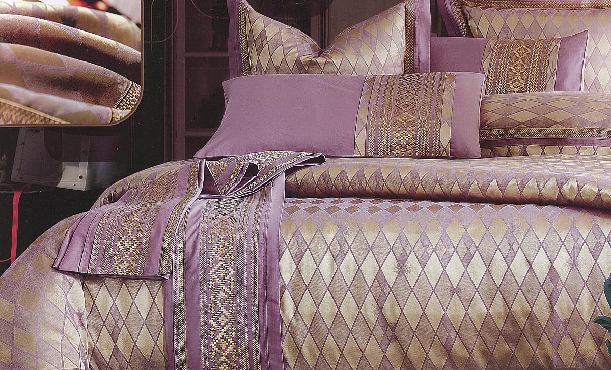 Комплект белья Этель Аттика, 2-спальный, наволочки 50x70, цвет: золотистый, фиолетовый126065Комплект постельного белья Этель Аттика состоит из пододеяльника на молнии, простыни и двух наволочек. Удивительной красоты вышивка, нанесенная на белье, сочетает в себе нежность и теплоту. Постельное белье Этель Аттика создано для романтичных натур, которые любят изысканный дизайн. Белье изготовлено из 100% хлопка и тканного жаккарда отвечающего всем необходимым нормативным стандартам. Жаккард - это ткань фактурного плетения, в которой нити очень плотно переплетены и образуют узорчатый рельеф. Это очень практичный материал, неприхотливый в уходе, более долговечный, по сравнению с другими тканями, полученными одним из простых способов плетения. Приобретая комплект постельного белья Этель Аттика, вы можете быть уверенны в том, что покупка доставит вам и вашим близким удовольствие и подарит максимальный комфорт.
