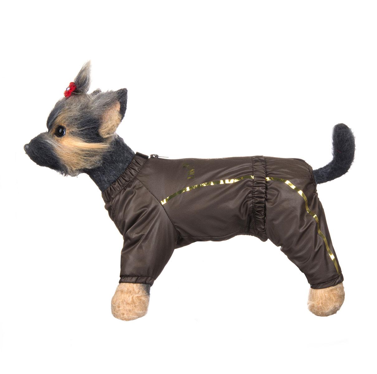 Комбинезон для собак Dogmoda Альпы, зимний, для мальчика, цвет: коричневый, бежевый. Размер 4 (XL)DM-150352-4Зимний комбинезон для собак Dogmoda Альпы отлично подойдет для прогулок в зимнее время года. Комбинезон изготовлен из полиэстера, защищающего от ветра и снега, с утеплителем из синтепона, который сохранит тепло даже в сильные морозы, а на подкладке используется искусственный мех, который обеспечивает отличный воздухообмен. Комбинезон застегивается на молнию и липучку, благодаря чему его легко надевать и снимать. Ворот, низ рукавов и брючин оснащены внутренними резинками, которые мягко обхватывают шею и лапки, не позволяя просачиваться холодному воздуху. На пояснице имеется внутренняя резинка. Изделие декорировано золотистыми полосками и надписью DM. Благодаря такому комбинезону простуда не грозит вашему питомцу и он сможет испытать не сравнимое удовольствие от снежных игр и забав.