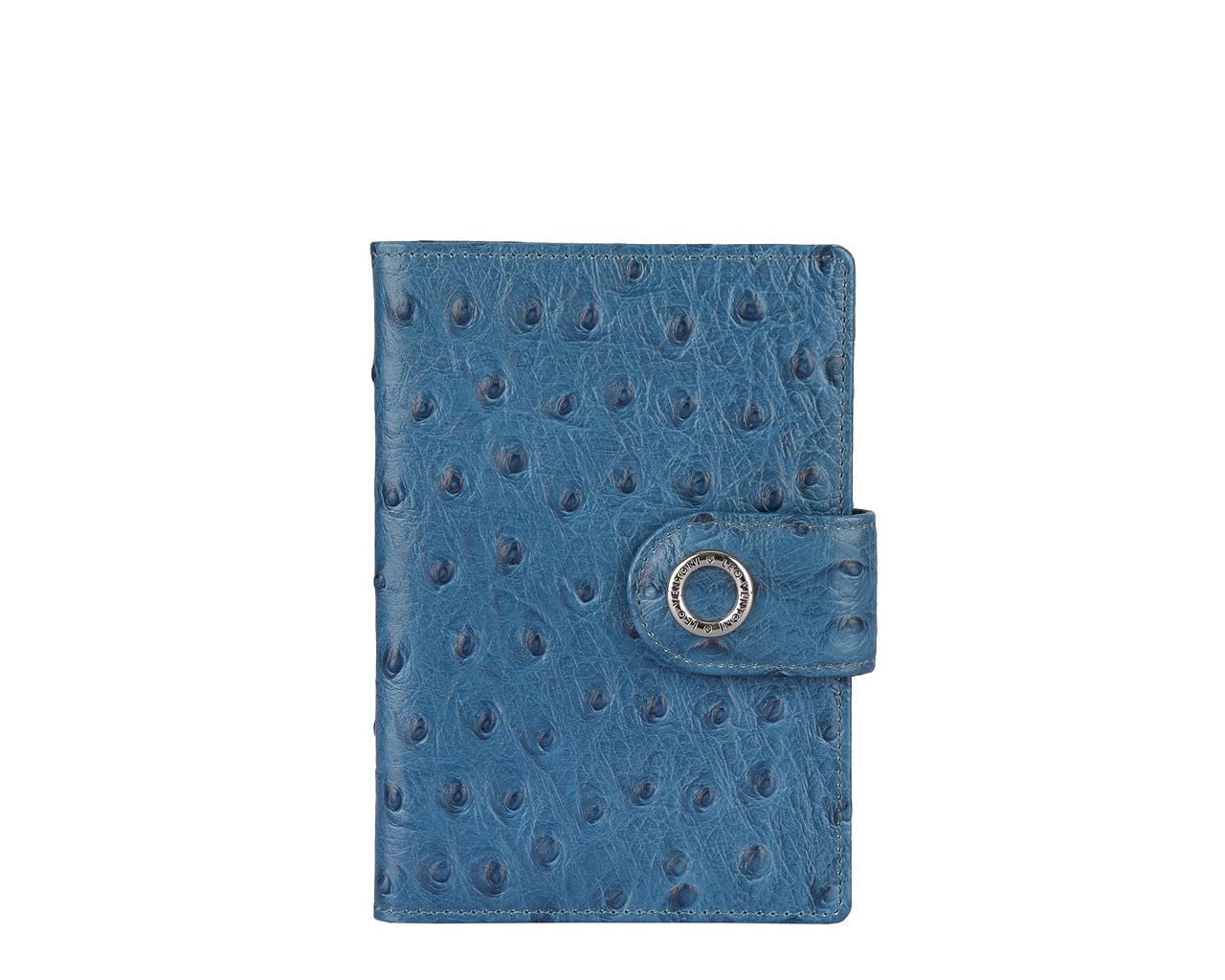 Обложка для паспорта женская Leo Ventoni, цвет: синий. L330414L330414-blueСтильная обложка для паспорта Leo Ventoni выполнена из натуральной кожи с декоративным тиснением под кожу страуса, дополнена металлической фурнитурой с символикой бренда. Изделие раскладывается пополам и закрывается хлястиком на кнопку. Внутри размещены два накладных кармана для паспорта и четыре кармана для кредитных карт. Изделие поставляется в фирменной упаковке. Оригинальная обложка для документов Leo Ventoni станет отличным подарком для человека, ценящего качественные и практичные вещи.