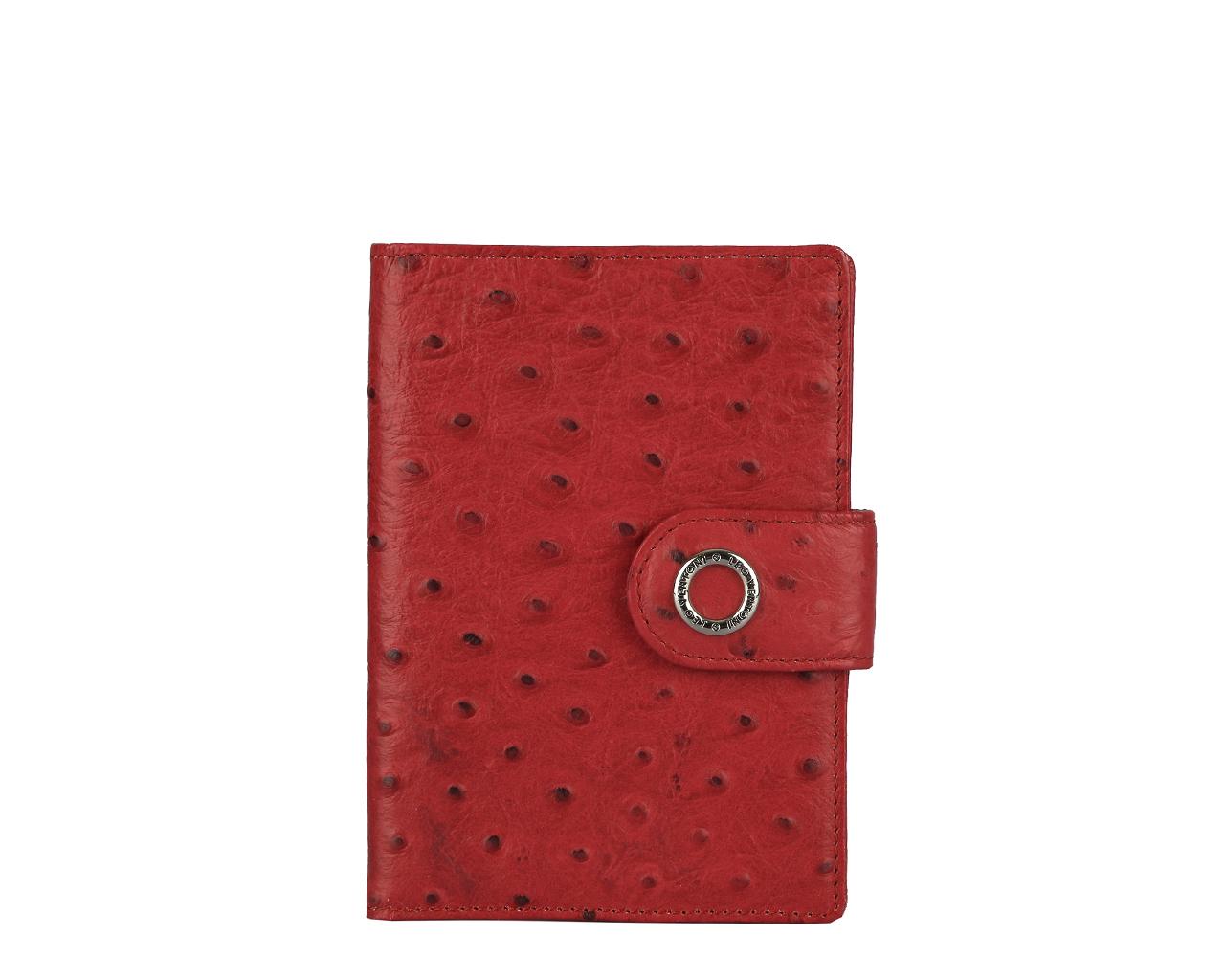 Обложка для паспорта женская Leo Ventoni, цвет: красный. L330414L330414-rossoСтильная обложка для паспорта Leo Ventoni выполнена из натуральной кожи с декоративным тиснением под кожу страуса, дополнена металлической фурнитурой с символикой бренда. Изделие раскладывается пополам и закрывается хлястиком на кнопку. Внутри размещены два накладных кармана для паспорта и четыре кармана для кредитных карт. Изделие поставляется в фирменной упаковке. Оригинальная обложка для документов Leo Ventoni станет отличным подарком для человека, ценящего качественные и практичные вещи.