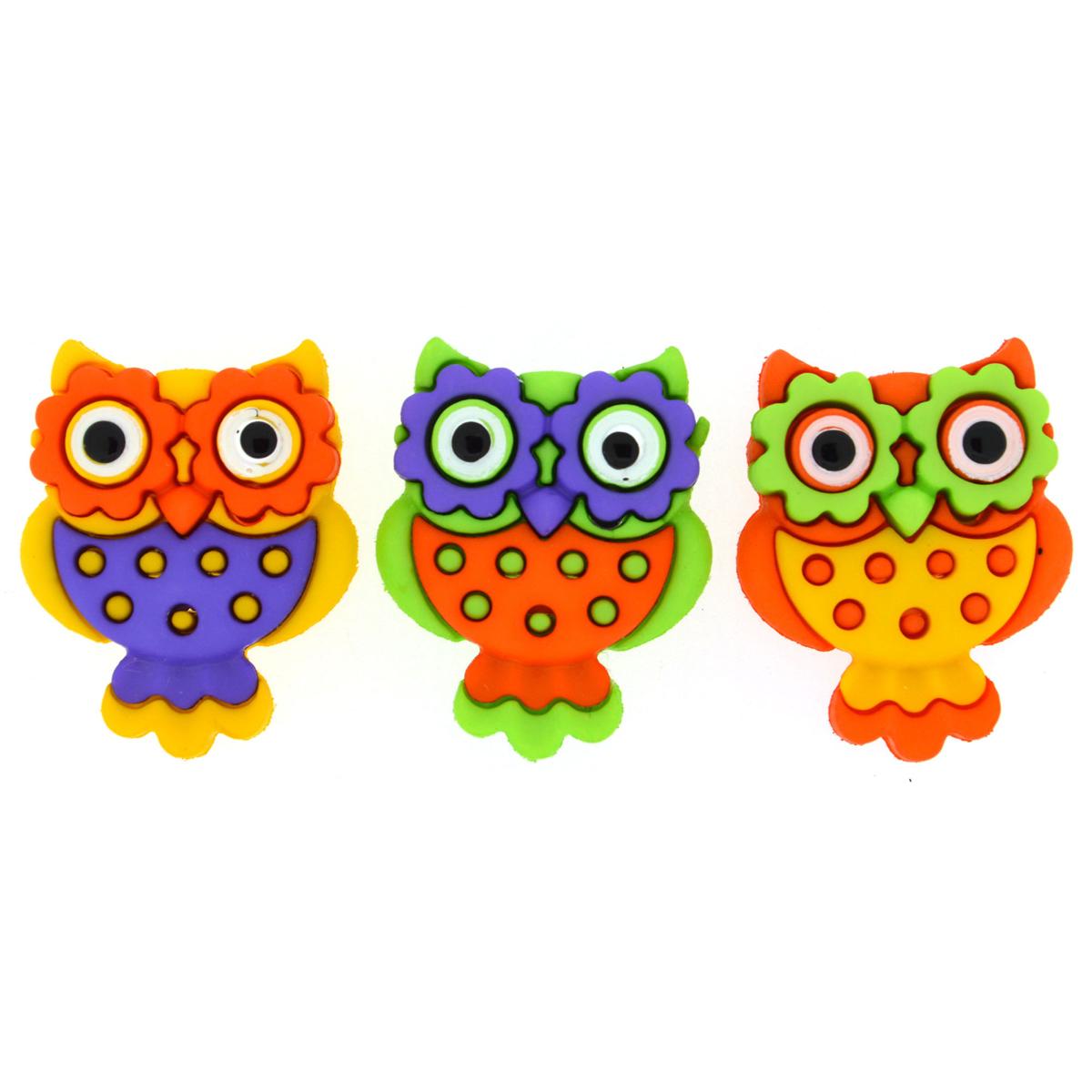Пуговицы декоративные Dress It Up Разноцветные совы, 3 шт7712040Набор Dress It Up Разноцветные совы состоит из 3 декоративных пуговиц, выполненных из высококачественного пластика в виде сов. Такие пуговицы подходят для любых видов творчества: скрапбукинга, декорирования, шитья, изготовления кукол, а также для оформления одежды. С их помощью вы сможете украсить открытку, фотографию, альбом, подарок и другие предметы ручной работы. Все пуговицы в наборе имеют оригинальный и яркий дизайн. Размер пуговицы: 2,5 см х 2 см х 0,5 см.