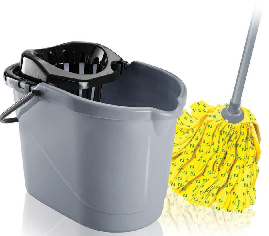 Набор для уборки Banat: ведро с отжимом, швабра, цвет: серый, черный730259Набор для уборки Banat Color состоит из ведра с отжимом и швабры. Ленточный моп изготовлен из вискозы, которая отличается хорошей впитывающей способностью и прочностью. Полоски из вискозного полотна превосходно впитывают воду и грязь, идеальны для мытья пола из керамической плитки и пола с деревянным покрытием. Благодаря специальной поглощающей структуре швабра не оставит разводов и обеспечит превосходную чистоту. Изделие легко промывается в воде. Рукоятка изготовлена из металла с цветным покрытием. Снабжена отверстием для подвеса. Имеет стандартную резьбу, подходящую к большинству видов насадок. Ведро изготовлено из прочного пластика. Изделие имеет специальный носик, позволяющий удобно выливать жидкость. Для переноски предусмотрена прочная ручка. Яркий красивый многофункциональный набор для уборки дома. Длина полосок швабры: 21 см. Длина рукоятки: 120 см. Объем ведра: 12 л. Размер ведра: 37 см х 25 см х 26 см.