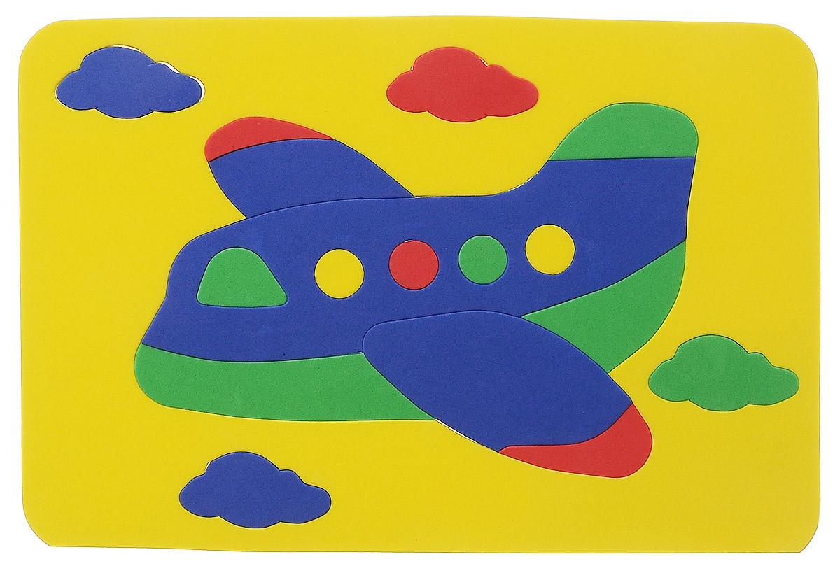 Август Мягкая мозаика Самолет цвет основы желтый27-2014_желтыйМягкая мозаика Август Самолет выполнена из мягкого полимера, который дает юному конструктору новые удивительные возможности в игре: детали мозаики гнутся, но не ломаются, их всегда можно состыковать. Мозаика представляет собой рамку, в которой из семнадцати элементов собирается яркий самолетик в облаках. Ваш ребенок сможет собрать самолет и в ванной. Элементы мозаики можно намочить, благодаря чему они будут хорошо прилипать к стене в ванной комнате. Такая мозаика развивает пространственное и логическое мышление, память и глазомер, знакомит с формами и цветом предмета в процессе игры.