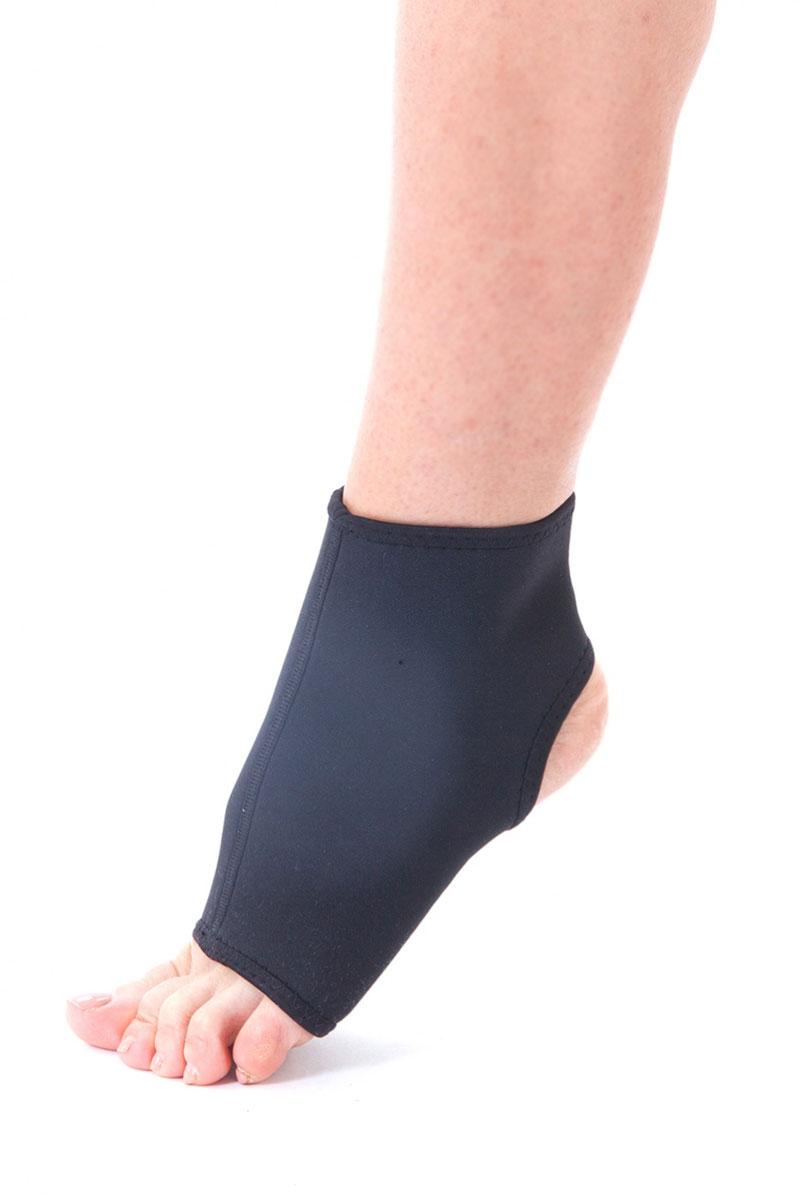 Носок утягивающий Bradex, с ионами меди, цвет: черныйKZ 0255Забудьте о назойливых неприятных ощущениях в мышцах, мешающих вам вести активный образ жизни. Уставшие ноги, ноющие сухожилия еще не повод отказываться от любимого спорта. Носки компрессионные с ионами меди Bradex помогут вам оптимизировать нагрузку на мышечные ткани, сухожилия и сосуды ваших ног. Носки компрессионные с ионами меди также будут приятным открытием для леди, вынужденных ходить на высоких каблуках. Достаточно надеть их вечером, и к утру ноги буду отдохнувшими - вы готовы к новому дню на шпильке. ПРОТИВОПОКАЗАНИЯ: Не используйте компрессионные изделия без предварительной консультации специалиста при заболеваниях сердечнососудистой системы.