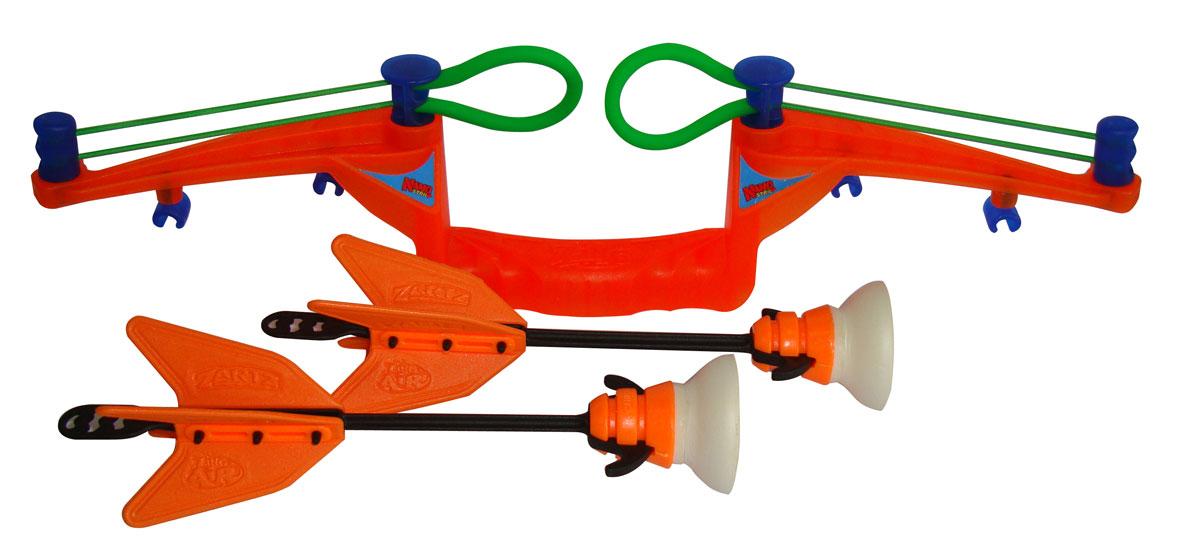 Zing Global Лук Zing Air Zano Bow со стрелами цвет оранжевыйZG511Лук Zing Air Zano Bow позволит вашему ребенку почувствовать себя во всеоружии! Лук выполнен из яркого прочного пластика и снабжен двумя резинками для запуска стрел. Комплект также включает в себя 2 стрелы с присосками. Этот оригинальный лук легко заряжать, он стреляет метко и действительно далеко, а поэтому отлично подойдет для активного отдыха. Игра с луком поможет ребенку в развитии меткости, ловкости, координации движений и сноровки.