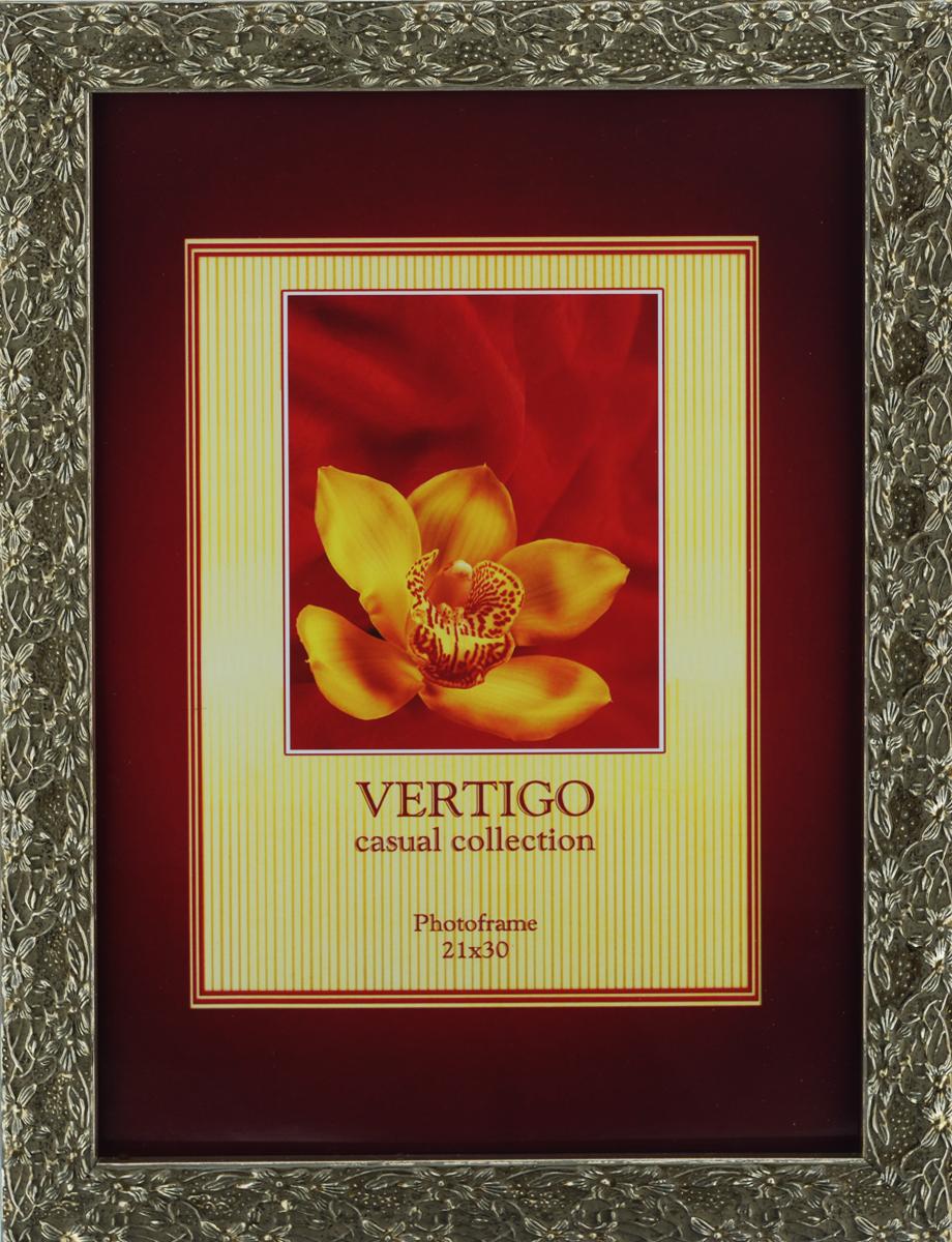 Фоторамка Vertigo Calabria, 21 см х 30 см12890 W5049/890Фоторамка Vertigo Calabria выполнена в классическом стиле из натурального дерева и стекла, защищающего фотографию. Изделие декорировано рельефным изображением цветов по периметру. Рамка оснащена двумя специальными отверстиями для подвешивания на стену. Такая фоторамка поможет вам оригинально и стильно дополнить интерьер помещения, а также позволит сохранить память о дорогих вам людях и интересных событиях вашей жизни. Размер фотографии: 21 см х 30 см.