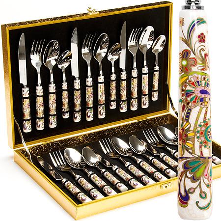 24919 Стол/набор 24пр фарфор/ручка ЭТРО МВ (х6)24919Набор столовых пердметов (24 предмета) 24 предмета: 6 - столовые ножи 6 - столовые вилки 6 - столовые ложки 6 - чайные ложки Материал: нержавеющая сталь,ручка - фарфор, Размер упаковки: 48 х 27 х 5 см Вес:14,67 кг Красивые столовые наборы являются важной составляющей каждого дома, красота и эстетичность столовых приборов удовлетворит запросы самых взыскательных покупателей. Несомненно, достойное место на любой кухне займет набор столовых приборов из 24 предметов на 6 персон Mayer&Boch. Столовые приборы изготавливается из высококачественной нержавеющая стали. Вилки, ложки, ножи проходят тщательный технологический контроль. Столовые наборы из нержавеющей стали такого состава отличается высокими антикоррозионными свойствами, значительной устойчивостью к воздействию кислот и щелочей. Не изменяет вкус и цвет пищи, не выделяет вредных веществ. Одним из важных этапов изготовления столовых приборов является полировка, от ее качества зависит гигиеничность предметов. Стильный, лаконичный...