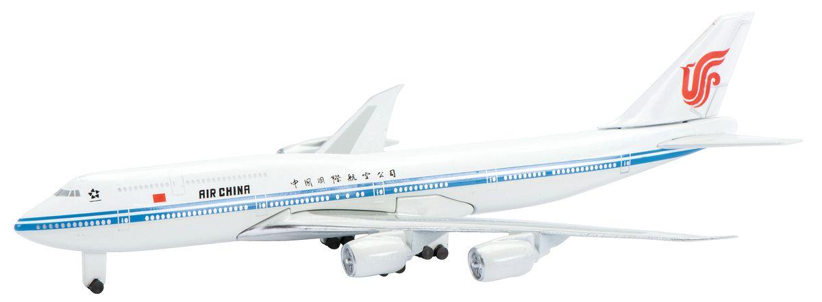 Schuco Модель самолета Boeing B747-8i Air China403551628Великолепная модель самолета Schuco Boeing B747-8i Air China порадует как детей, так и опытных коллекционеров. Модель представляет собой детально выполненную копию авиалайнера Boeing B747-8i, который окрашен в фирменном стиле Air China. Модель не нуждается в сборке. Корпус самолета полностью выполнен из металла. Масштаб 1:600. В комплекте с моделью прилагается подставка.