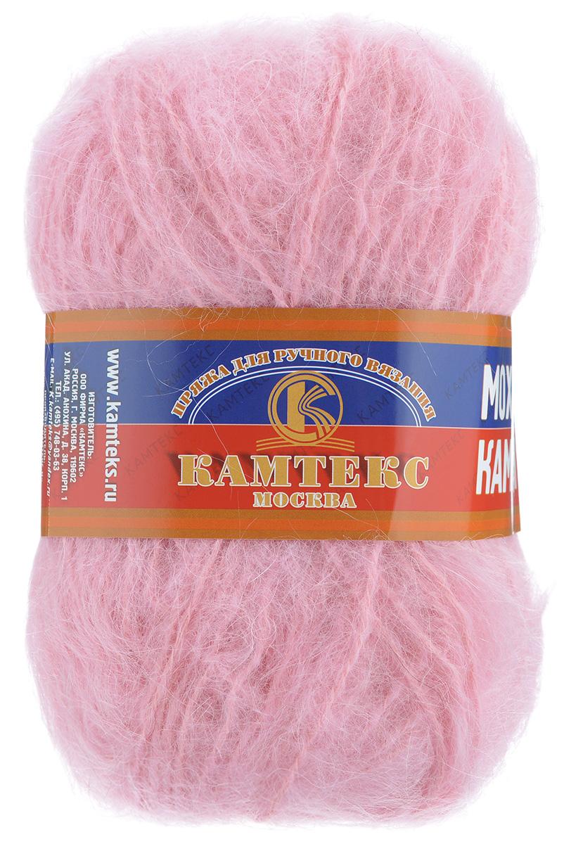 Пряжа для вязания Камтекс Камея мохер, цвет: розовый (056), 100 м, 50 г, 10шт136072_056Пряжа для вязания Камтекс Камея мохер изготовлена из мохера, шерсти, акрила и вискозы. Пряжа для тех, кто любит пушистые, натуральные и очень теплые вещи. Изделия из такой пряжи - воздушные, теплые и ворсистые. Пряжа вырабатывается по новой современной технологии из козьей шерсти. Ворс состоит только из натуральных волокон мохера. Эта пряжа создана для зимы, холодной и вьюжной, когда хочется тепла. Ворсинки сохраняют тепло лучистого летнего солнца и в стужу дарят его нам. Из этой пряжи великолепно будут смотреться зимние шапки, шарфы, варежки, а также свитера, манишки, гольфы. Рекомендованные спицы 3-5 мм и крючок для вязания 3-5 мм. Комплектация: 10 мотков. Состав: 60% мохер, 20% шерсть, 20% акрил, вискоза.