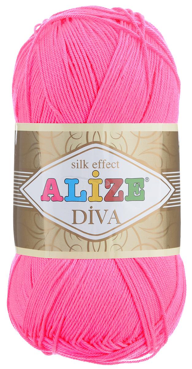 Пряжа для вязания Alize Diva, цвет: ярко-розовый (561), 350 м, 100 г, 5 шт364126_561Легкая пряжа Diva с шелковым эффектом для весенних или летних вещей. Приятная на ощупь, обладающая высокой гигроскопичностью, пряжа Diva из микрофибры подойдет для самых разных вязаных изделий: сарафанов, туник, платьев, легких костюмов, кофт, шалей и накидок. Ее с одинаковым успехом можно использовать и для спиц, и для вязания крючком. В палитре большой выбор ярких цветов и пастельных мягких оттенков. Не стоит с предубеждением относиться к искусственной пряже, ведь она обладает целым рядом преимуществ. За изделиями из пряжи Diva проще ухаживать, они не подвержены скатыванию, не вызывают аллергии, не собирают пыль, не линяют и не оставляют ворсинок на другой одежде. Рекомендованные спицы № 2,5-3,5, крючок № 1-3. Состав: 100% микрофибра.