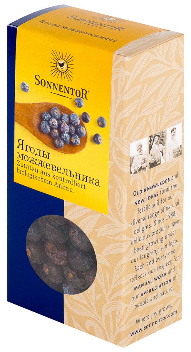 Sonnentor Ягоды можжевельника, 35 гNT336У ягод можжевельника пряный терпкий слегка смолянистый аромат и сладковато-терпкий вкус. Ягоды ценят за содержащееся в них эфирное масло. Пряный аромат делает ягоды можжевельника специальной пряностью для блюд особого рода. Например, блюдам из дичи и квашеной капусте они придают пряный вкус. Используя плоды, можно приготовить вкусный сироп, мармелад, кисель, желе, настойку.