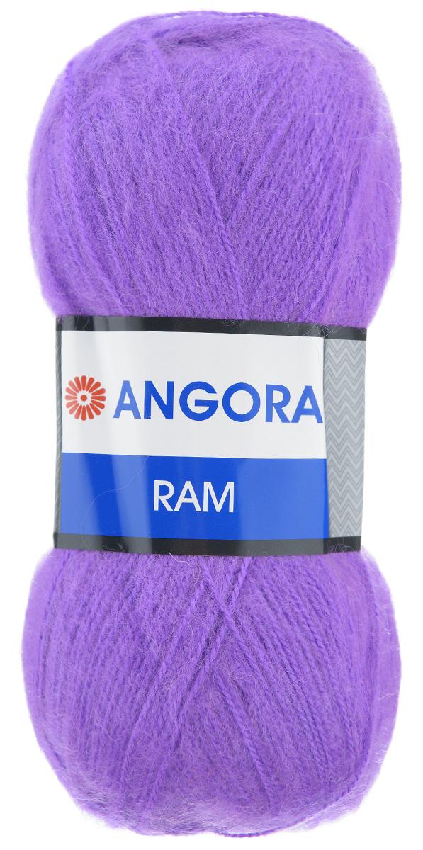 Пряжа для вязания YarnArt Angora Ram, цвет: фиалка (9561), 500 м, 100 г, 5 шт372037_9561Пряжа для вязания YarnArt Angora Ram изготовлена из натурального мохера с добавлением акрила. Пряжа из такого материала обладает повышенной прочностью и эластичностью, а изделия получаются теплые и уютные. Скрутка нити плотная, равномерная, не расслаивается, не путается, хорошо скользит по спицам, вяжется очень легко. Петли выглядят аккуратно, а натуральный мохер обеспечивает теплоту, легкость и превосходный внешний вид. Нить можно комбинировать с полушерстяными пряжами для смягчения рисунка, придания благородной пушистости фактуре нити, а также для улучшения тепловых характеристик. Благодаря содержанию синтетических волокон, изделия из YarnArt Angora Ram устойчивы к скатыванию, а благодаря своей мягкости такая пряжа подходит для детских вещей. Ажурные вещи сохраняют тепло не хуже плотного вязания, оставаясь легкими и объемными. Рекомендуемый размер спиц - №4. Примерный расход пряжи на джемпер: S - 400 г, M - 500 г, L - 600 г. Состав: 40%...