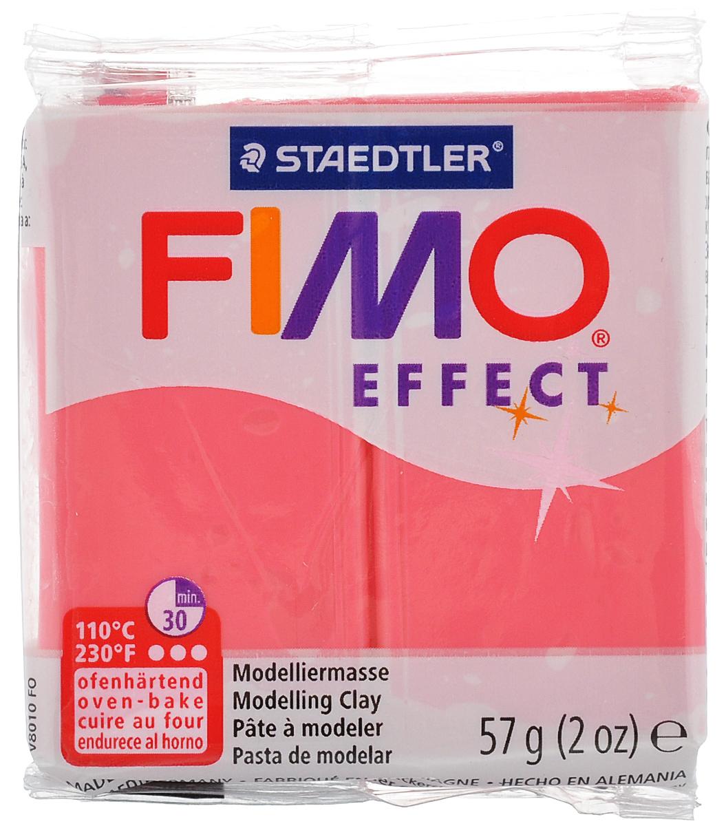 Полимерная глина Fimo Effect, цвет: полупрозрачный красный, 56 г8020-204Полимерная глина Fimo Effect - мягкая глина на полимерной основе (пластик) идеально подходит для лепки небольших изделий (украшений, скульптурок, кукол) и для моделирования. Глина обладает отличными пластичными свойствами, хорошо размягчается и лепится, легко смешивается между собой, благодаря чему можно создать огромное количество поделок любых цветов и оттенков. Блок поделен на восемь сегментов, что позволяет легче разделять глину на порции. В домашних условиях готовая поделка выпекается в духовом шкафу при температуре 110°С в течение 15-30 минут в зависимости от величины изделия. Отвердевшие изделия могут быть раскрашены акриловыми красками, покрыты лаком, склеены друг с другом или с другими материалами.