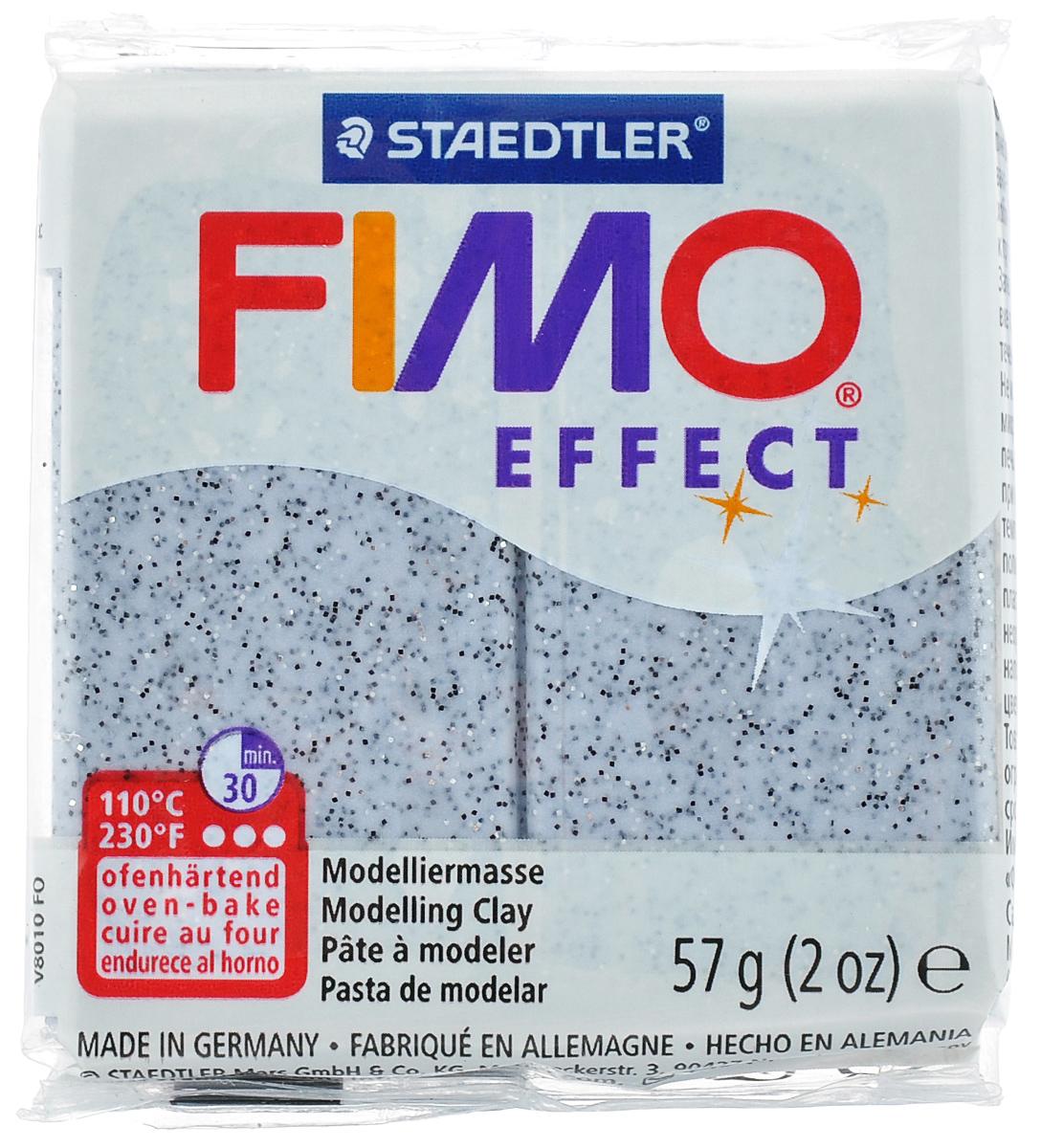 Полимерная глина Fimo Effect Granite, цвет: гранит, 56 г8020-803Мягкая глина с блестками на полимерной основе (пластика) Fimo Effect Granite идеально подходит для лепки небольших изделий (украшений, скульптурок, кукол) и для моделирования. Глина обладает отличными пластичными свойствами, хорошо размягчается и лепится, легко смешивается между собой, благодаря чему можно создать огромное количество поделок любых цветов и оттенков. Блок поделен на восемь сегментов, что позволяет легче разделять глину на порции. В домашних условиях готовая поделка выпекается в духовом шкафу при температуре 110°С в течении 15-30 минут (в зависимости от величины изделия). Отвердевшие изделия могут быть раскрашены акриловыми красками, покрыты лаком, склеены друг с другом или с другими материалами. Состав: поливинилхлорид, пластификаторы, неорганические наполнители, цветные пигменты.