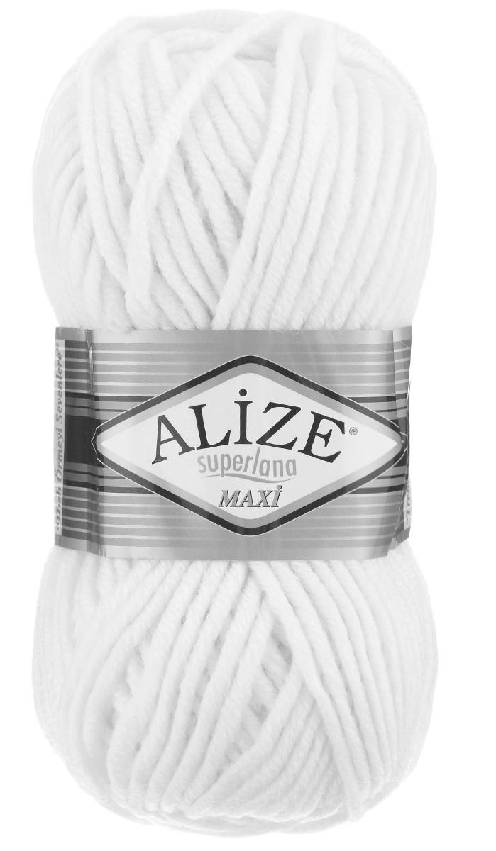 Пряжа для вязания Alize Superlana Maxi, цвет: молочный (55), 100 м, 100 г, 5 шт364131_55Пряжа Alize Superlana Maxi обладает плотной скруткой (немного напоминает шнурок), при этом нить мягкая, чуть упругая. Благодаря составу и скрутке петли нитки отлично ложатся одна к другой, вязаное полотно получается ровное и однородное. Пряжа с умеренным, недлинным ворсом отлично собирается в узор и держит его. Мягкая, очень комфортная как для работы, так и для носки. В качестве моделей для вязки можно рекомендовать плотные вещи: пальто, осенние длинные кардиганы, пончо, болеро, мужские свитера. Рассчитана на любой уровень мастерства, но особенно понравится начинающим мастерицам - благодаря толстой нити пряжа Alize Superlana Maxi позволяет быстро связать простую вещь. Структура и состав пряжи максимально комфортны для вязания. Рекомендуется для вязания на спицах 8-10 мм. Состав: 75% акрил, 25% шерсть.