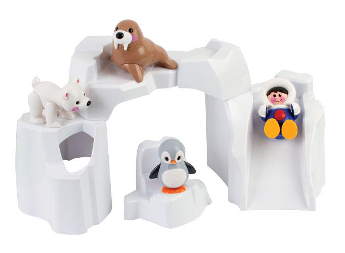 Tolo FF Набор Полярные животные87424Центральная часть Полярной серии Первых друзей! Состоит из четырех деталей, с которыми можно играть отдельно, а можно собрать их вместе и получится айсберг с туннелем! В комплекте с айсбергом пингвин, тюлень, белый медведь и эскимос. Дети могут построить целый Полярный мир вокруг айсберга и собрать полную коллекцию игрушек этой серии! Стимулирует ролевую и творческую игру! Игрушка развивает следующие навыки: