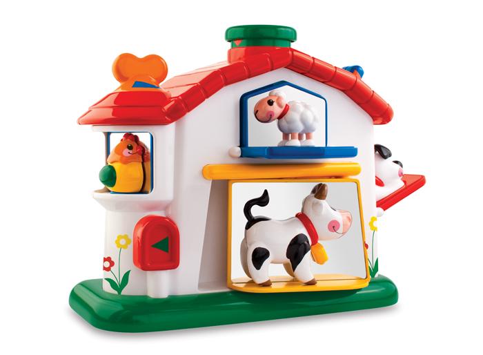 Tolo Classic Набор игрушек Механическая ферма89207В ярком домике Ферма Tolo toys прячутся животные, обитающие на ферме. Чтобы увидеть каждого из них, нужно найти необходимые рычажки и кнопочки. Покрутив за оранжевый ключик, который разместился на крыше, появится забавная курочка, а если нажать на зеленый дымоход – из окошка выглянет овечка. Чтобы увидеть коровку или собачку – нужно нажать на почтовый ящик или на синий рычажок. На другой стороне домика разместились механические элементы для развития мелкой моторики детских рук: мини-счеты, вращающийся ролик, пищащая кнопочка и зеркальце. Такая игрушка увлечет кроху надолго, ведь в ней так много интересного! Игра развивает мелкую моторику, логику, причинно-следственные связи, интеллект, воображение, понятие цвета и формы.