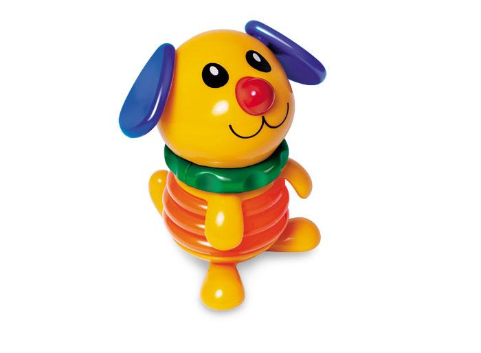 Tolo Classic Фигурка Собака89705Щенок-пищалка Tolo toys, это милый желтый щеночек, который привлечёт внимание малыша своим дизайном и громким звуком. Стоит нажать на голову щеночка, как он сложится почти вдвоё и издаст высокий писк! Его голова может крутиться в разные стороны с забавным потрескиванием, ушки вертятся, а размеры игрушки позволяют детским ладошкам без каких-либо затруднений хватать её и удерживать. Играя с милой собачкой, малыш развивает мелкую моторику, тактильные ощущения, звуковое и цветовое восприятие. С этим щенком малышам будет очень весело и полезно проводить время!