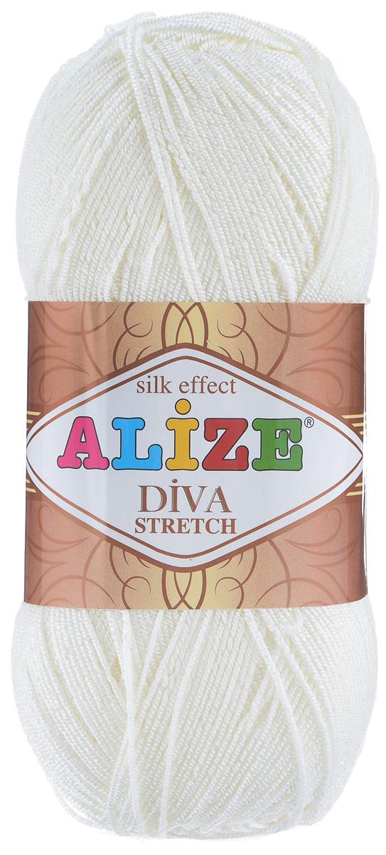 Пряжа для вязания Alize Diva Stretch, цвет: кремовый (62), 400 м, 100 г, 5 шт367021_62Легкая пряжа Alize Diva Stretch изготовлена из микрофибры с добавлением ПБТ эластика. Пряжа не выгорает на солнце и не линяет. Готовые изделия из этой пряжи быстро сохнут, после намокания практически не деформируются. Эластичная пряжа Diva Stretch обладает поистине уникальными характеристиками. Она мягкая, тонкая и в то же время прочная, она легко ложится в приятное на ощупь, упругое, тянущееся, но сохраняющее свою форму полотно и отлично смотрится в узорах. Изделия, связанные из этой пряжи, прекрасно держат форму и не растягиваются. Пряжа стрейч. Готовое изделие из пряжи Alize Diva Stretch после первой стирки слегка садится. Поэтому перед тем, как начать работать с этой нитью, рекомендуется связать образец, постирать и высушить его, выяснить степень усадки и только потом, с учетом этих данных, делать расчет петель. Рекомендуемый размер спиц: №2-3,5. Рекомендуемый размер крючка: №1-3. Состав: 92% микрофибра (акрил), 8%...