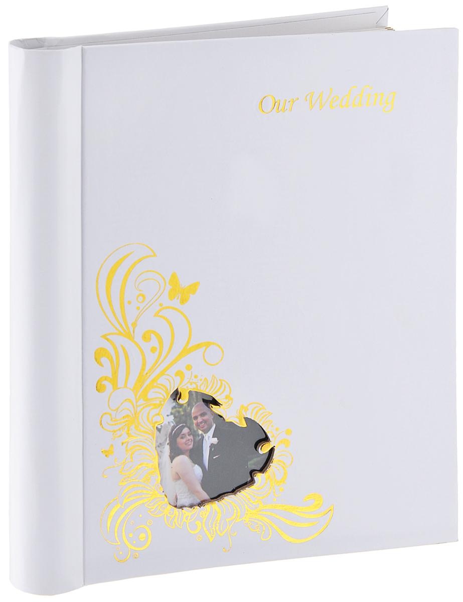 Фотоальбом Diesel Wedding story, 20 фотографий, 23 х 28 см22263 FAФотоальбом Diesel Wedding story изготовленный из картона с клеевым покрытием и пленки ПВХ, поможет красиво оформить ваши свадебные фотографии. Обложка выполнена из толстого картона. С лицевой стороны обложки имеется окошко для вашей самой любимой фотографии. Внутри содержится блок из 20 магнитных листов, которые размещены на пластиковых кольцах. Альбом с магнитными листами удобен тем, что он позволяет размещать фотографии разных размеров. В альбоме предусмотрены поля для записей. Листы размещены на пластиковых кольцах. Нам всегда так приятно вспоминать о самых счастливых моментах жизни, запечатленных на фотографиях. Поэтому фотоальбом является универсальным подарком к любому празднику. Размер листа: 23 см х 28 см.