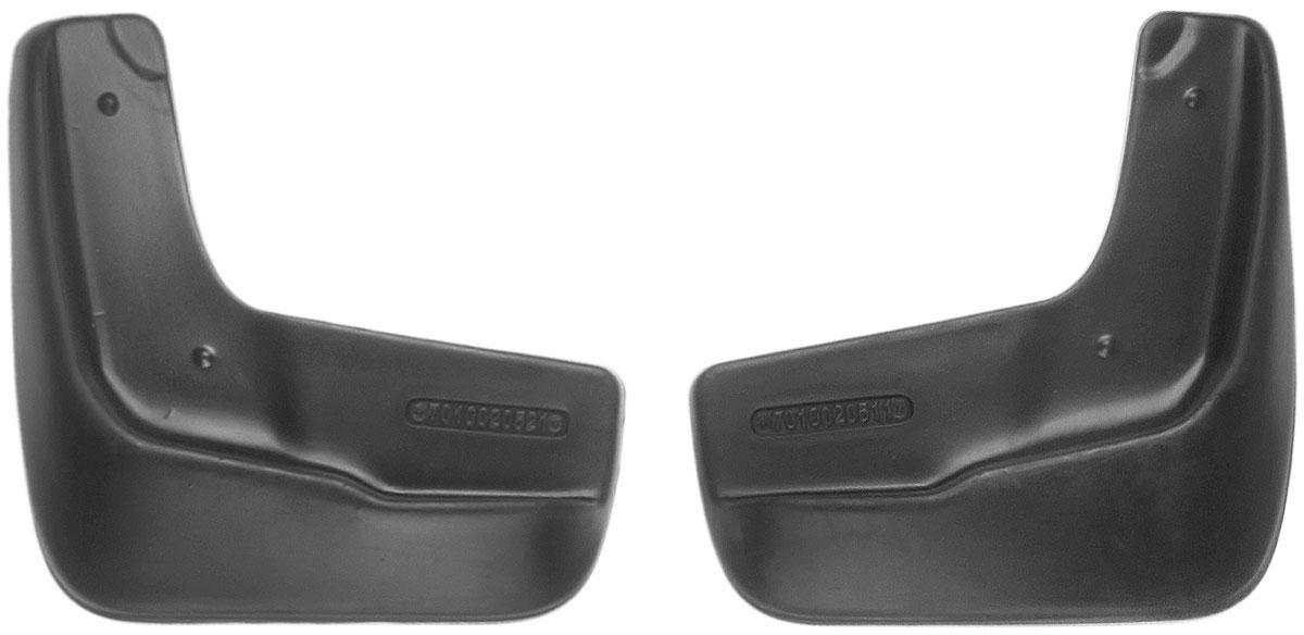 Комплект передних брызговиков L.Locker, для Mazda 3 III (13-), 2 шт7010020551Комплект L.Locker состоит из 2 передних брызговиков, изготовленных из высококачественного полиуретана. Уникальный состав брызговиков допускает их эксплуатацию в широком диапазоне температур: от -50°С до +50°С. Изделия эффективно защищают кузов автомобиля от грязи и воды, формируют аэродинамический поток воздуха, создаваемый при движении вокруг кузова таким образом, чтобы максимально уменьшить образование грязевой измороси, оседающей на автомобиле. Разработаны индивидуально для каждой модели автомобиля. С эстетической точки зрения брызговики являются завершением колесных арок. Установка брызговиков достаточно быстрая. В комплект входят необходимые крепежи и инструкция на русском языке. Комплект подходит для моделей с 2013 года выпуска. Комплектация: 2 шт. Размер брызговика: 21 см х 21,5 см х 3 см.