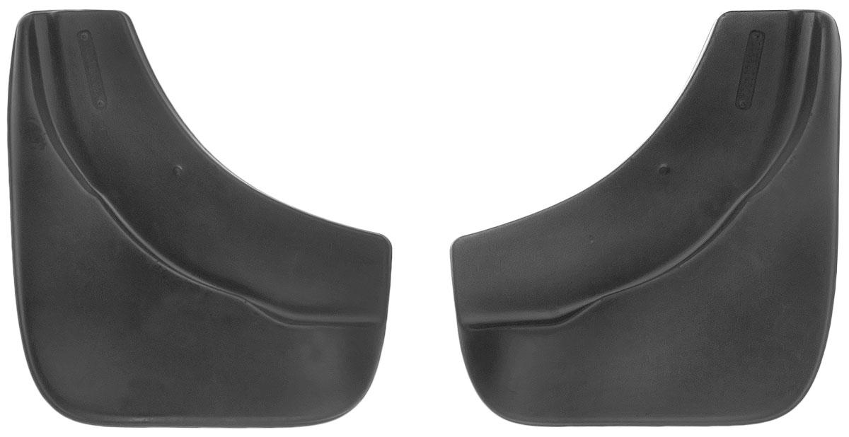 Комплект передних брызговиков L.Locker, для Volkswagen Touareg (02-10), 2 шт7001072251Комплект L.Locker состоит из 2 передних брызговиков, изготовленных из высококачественного полиуретана. Уникальный состав брызговиков допускает их эксплуатацию в широком диапазоне температур: от -50°С до +50°С. Изделия эффективно защищают кузов автомобиля от грязи и воды, формируют аэродинамический поток воздуха, создаваемый при движении вокруг кузова таким образом, чтобы максимально уменьшить образование грязевой измороси, оседающей на автомобиле. Разработаны индивидуально для каждой модели автомобиля. С эстетической точки зрения брызговики являются завершением колесных арок. Установка брызговиков достаточно быстрая. В комплект входят необходимые крепежи и инструкция на русском языке. Комплект подходит для моделей с 2002 по 2010 года выпуска. Комплектация: 2 шт. Размер брызговика: 27 см х 30 см х 3 см.
