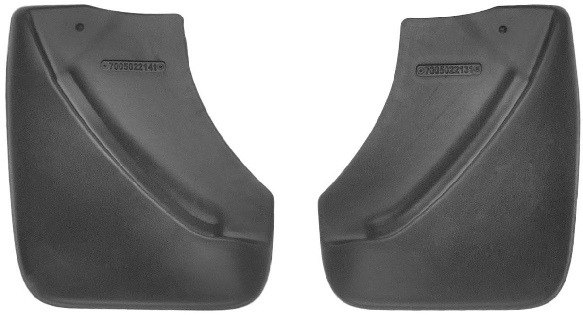 Комплект задних брызговиков L.Locker, для Nissan Juke (10-), 2 шт7005022161Комплект L.Locker состоит из 2 задних брызговиков, изготовленных из высококачественного полиуретана. Уникальный состав брызговиков допускает их эксплуатацию в широком диапазоне температур: от -50°С до +50°С. Изделия эффективно защищают кузов автомобиля от грязи и воды, формируют аэродинамический поток воздуха, создаваемый при движении вокруг кузова таким образом, чтобы максимально уменьшить образование грязевой измороси, оседающей на автомобиле. Разработаны индивидуально для каждой модели автомобиля. С эстетической точки зрения брызговики являются завершением колесных арок. Установка брызговиков достаточно быстрая. В комплект входят необходимые крепежи и инструкция на русском языке. Комплект подходит для моделей с 2010 года выпуска. Комплектация: 2 шт. Размер брызговика: 23 см х 27 см х 3 см.