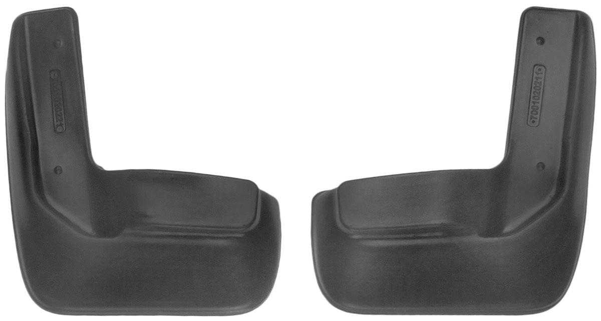 Комплект передних брызговиков L.Locker Volkswagen Jetta 2010, 2 шт7001020251Комплект L.Locker Volkswagen Jetta 2010 состоит из 2 передних брызговиков, изготовленных из высококачественного полиуретана. Уникальный состав брызговиков допускает их эксплуатацию в широком диапазоне температур: от -50°С до +50°С. Изделия эффективно защищают кузов автомобиля от грязи и воды, формируют аэродинамический поток воздуха, создаваемый при движении вокруг кузова таким образом, чтобы максимально уменьшить образование грязевой измороси, оседающей на автомобиле. Разработаны индивидуально для каждой модели автомобиля. С эстетической точки зрения брызговики являются завершением колесных арок. Установка брызговиков достаточно быстрая. В комплект входят необходимые крепежи и инструкция на русском языке. Комплектация: 2 шт. Размер брызговика: 33 см х 27 см х 3 см.