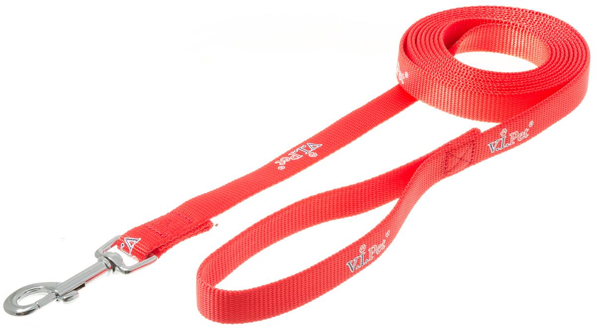 Поводок для собак V.I.Pet, цвет: красный, ширина 20 мм, длина 3 м73-0859Поводок с карабином V.I.Pet, изготовленный из нейлона, предназначен для выставок и повседневного выгула. Материал поводка отличается повышенной прочностью, мало подвержен механическому воздействию, поэтому надолго сохранит аккуратный внешний вид и насыщенность цвета. Вращающийся вертлюг карабина предотвращает перекручивание поводка.