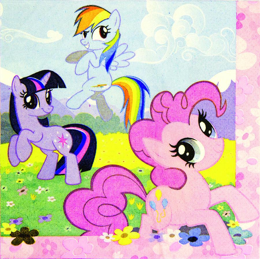 Amscan Салфетка My Little Pony 16 шт1502-1326Праздничный стол - это не только множество вкусных лакомств, но и красивая сервировка. И тут никак не обойтись без ярких салфеток, которые стильно украсят стол и принесут практическую пользу. Какой же дизайн выбрать? Для детского праздника идеально подойдет изображение любимых героев. Сумеречная Искорка и ее друзья: Пинки Пай, Рарити, Радуга Дэш, Эпплджек и Флаттершай собрались на цветочной поляне, чтобы повеселиться в ваш день рождения!